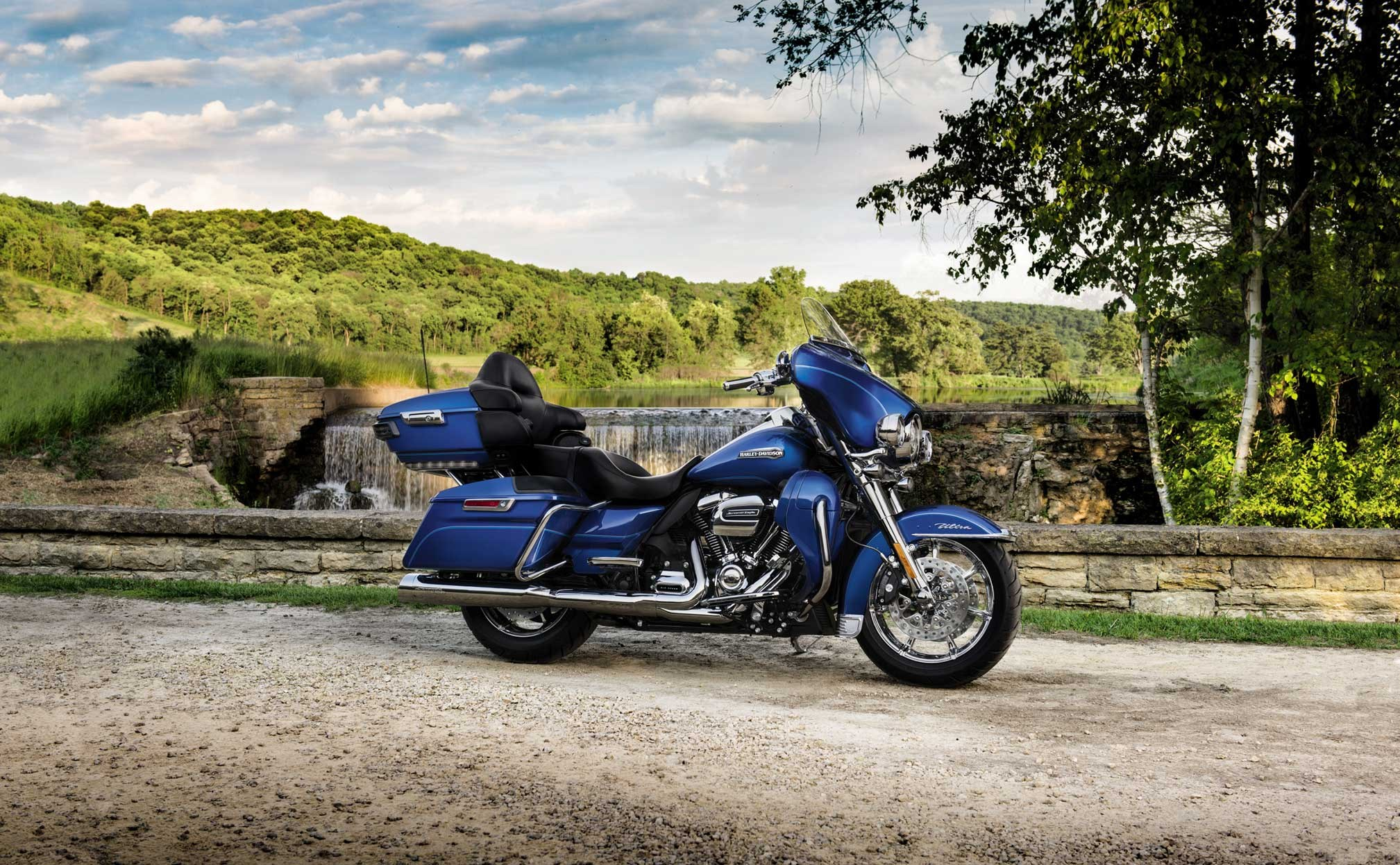 2017x1247 - Harley-Davidson Electra Glide Ultra Classic Wallpapers 13