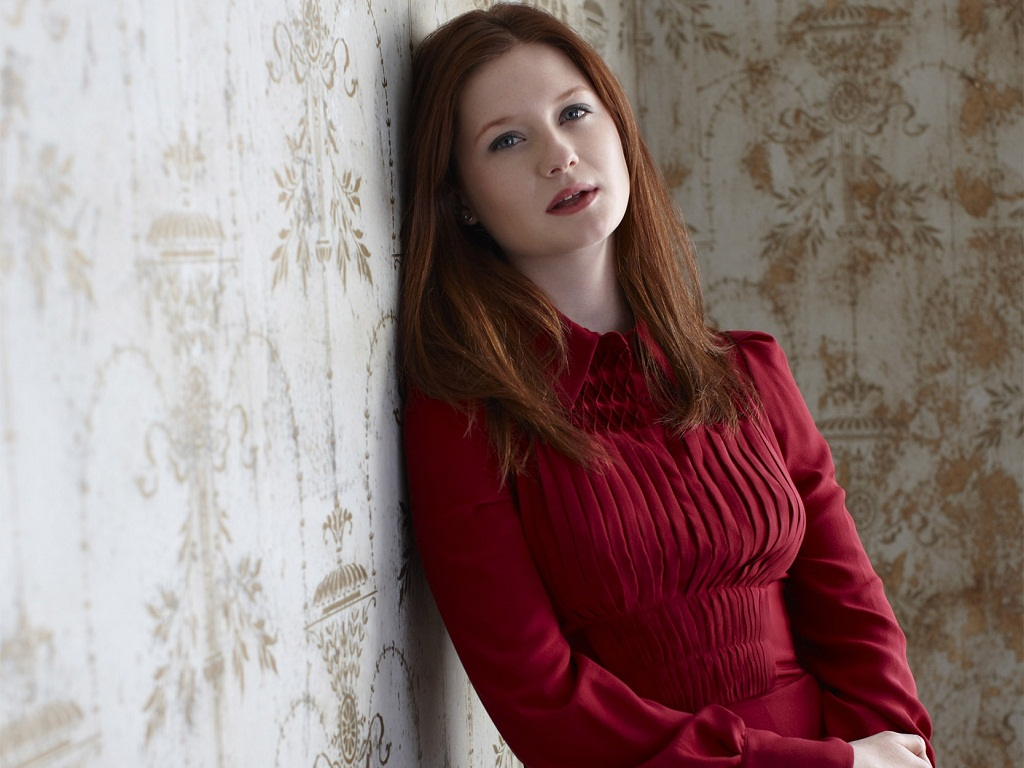 1024x768 - Bonnie Wright Wallpapers 6