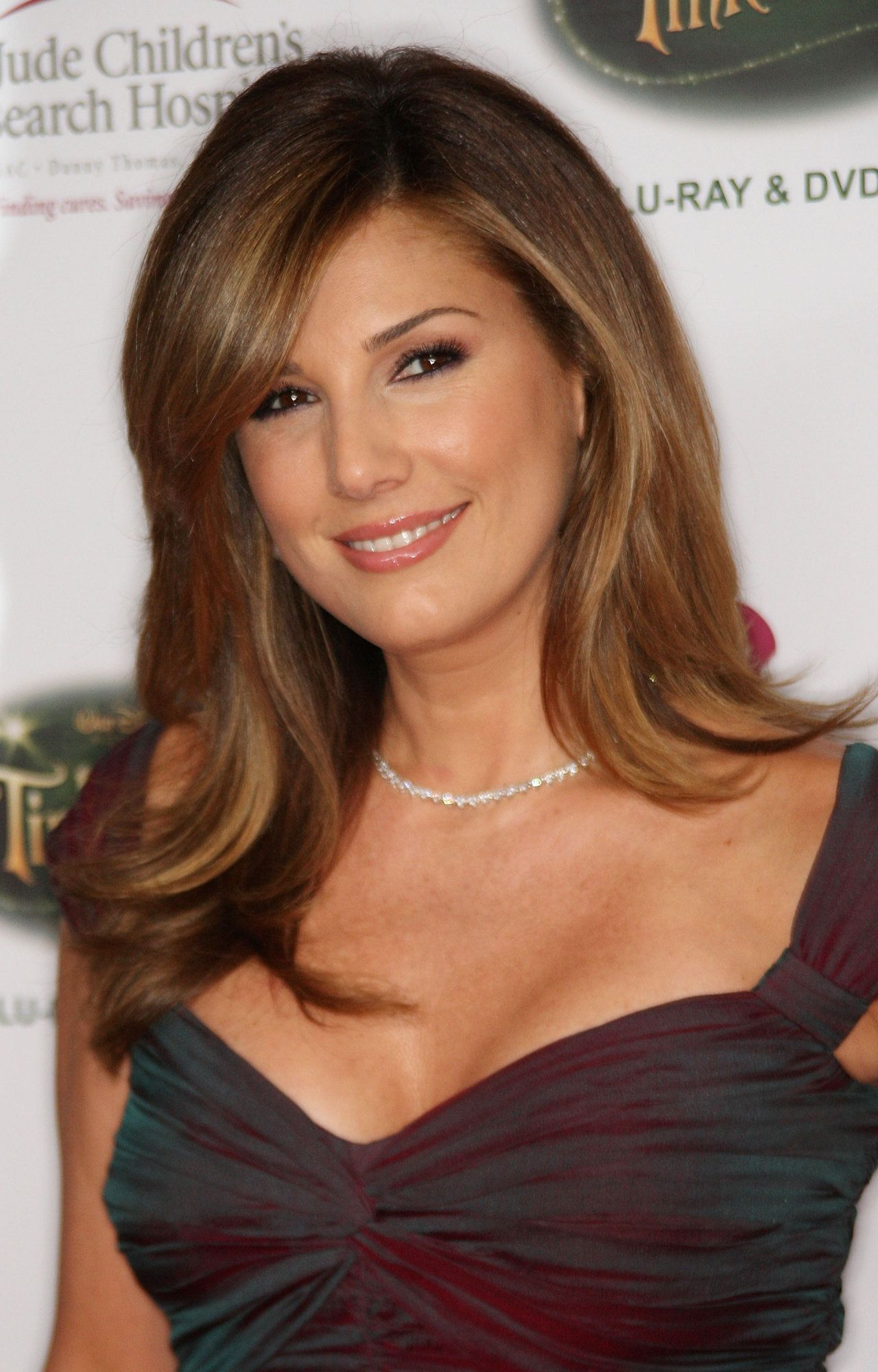 1280x2000 - Daisy Fuentes Wallpapers 4