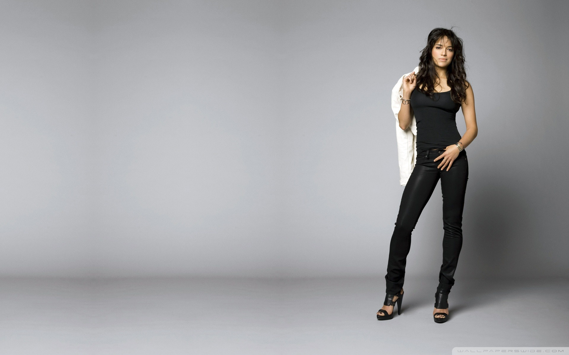 1920x1200 - Michelle Rodriguez Wallpapers 5