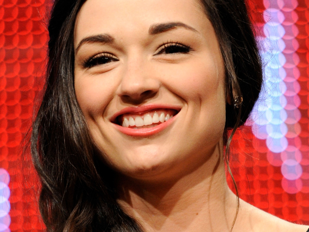 1024x768 - Crystal Reed Wallpapers 25