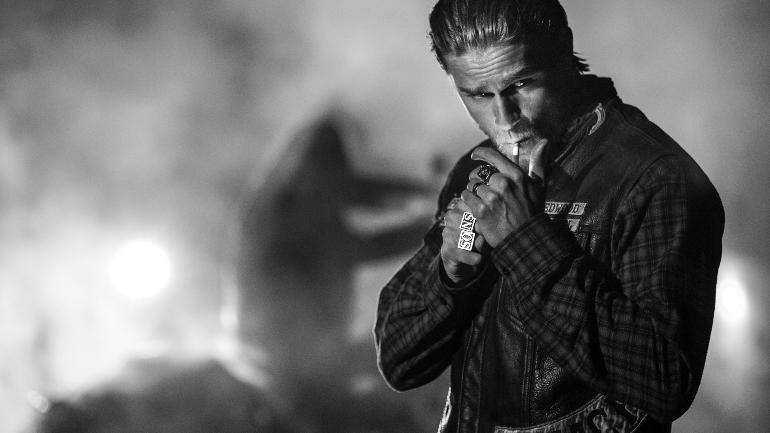 2560x1440 - Charlie Hunnam Wallpapers 3