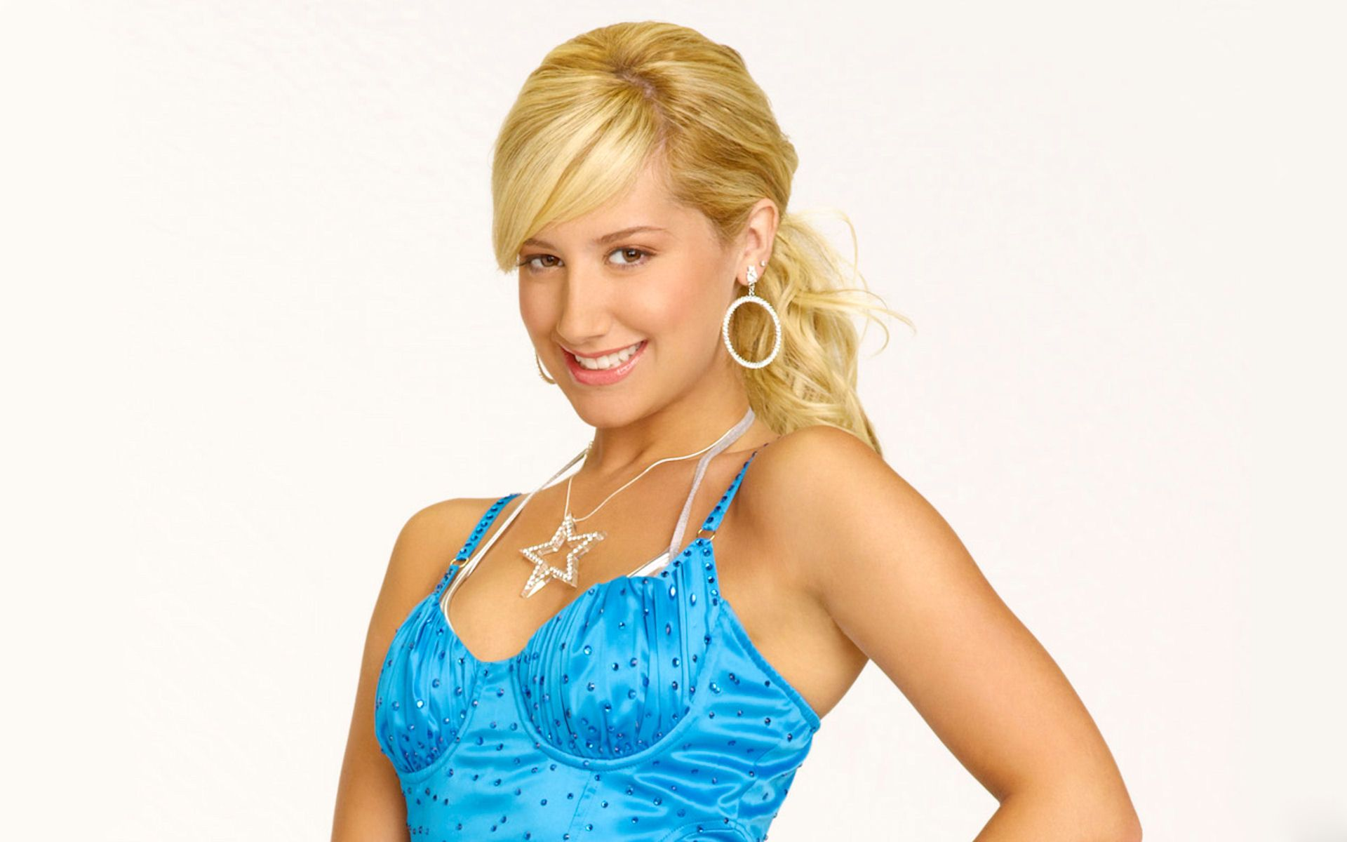 1920x1200 - Ashley Tisdale Wallpapers 33