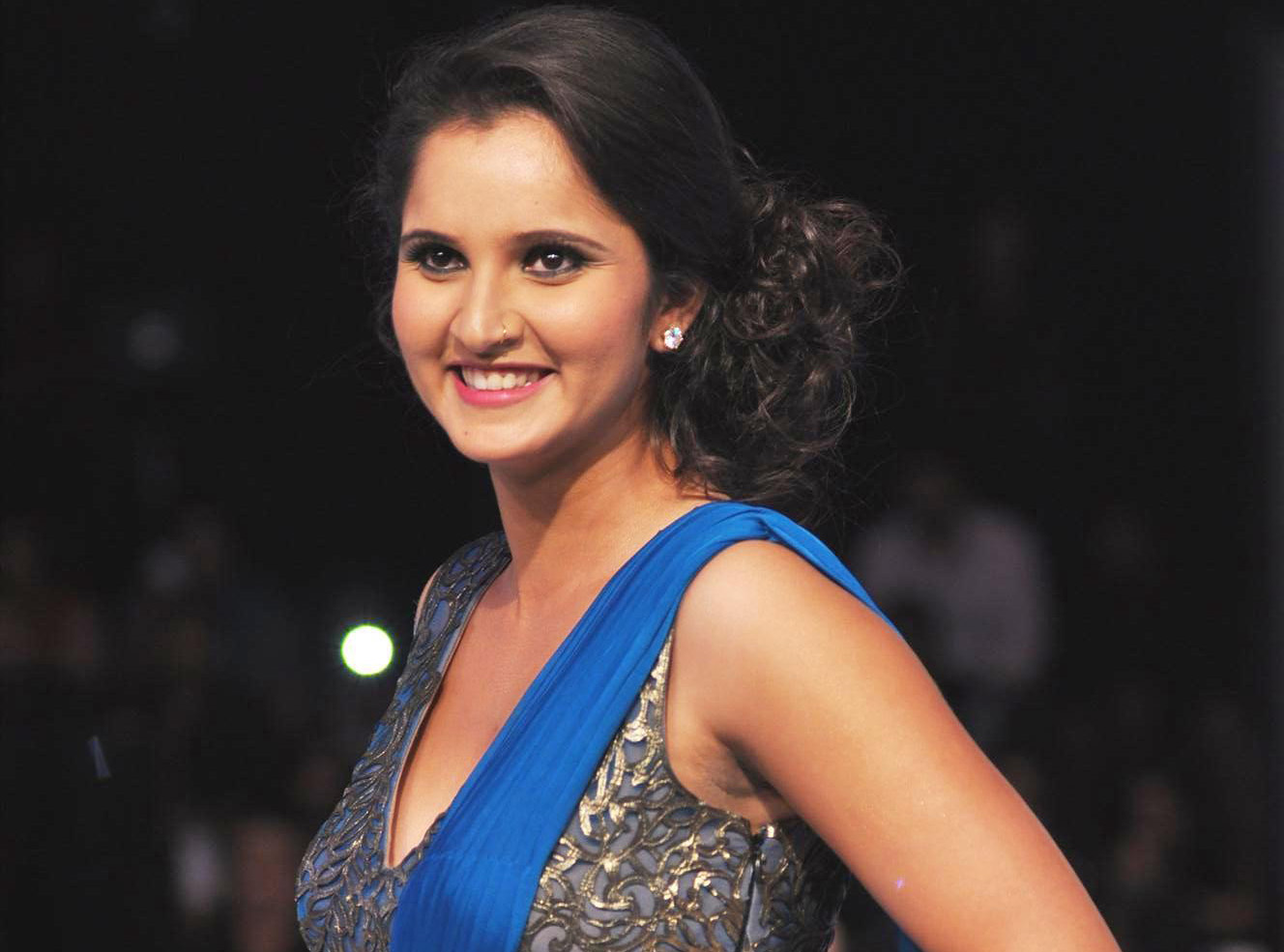 1328x985 - Sania Mirza Wallpapers 7
