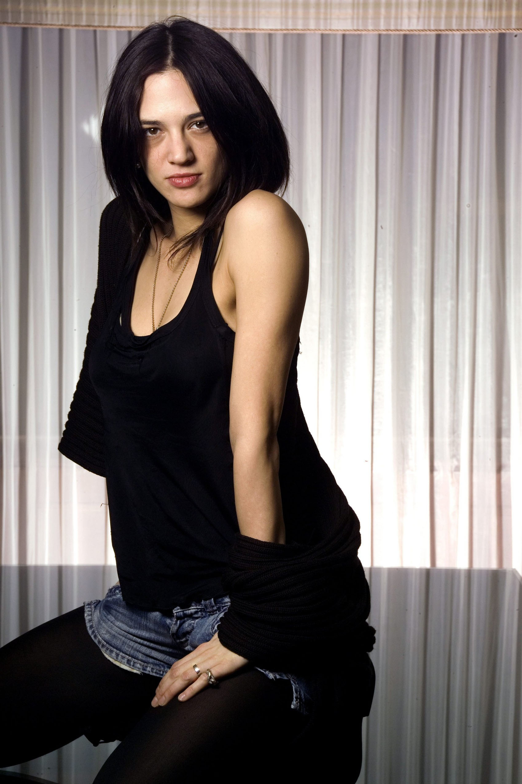 1700x2550 - Asia Argento Wallpapers 29
