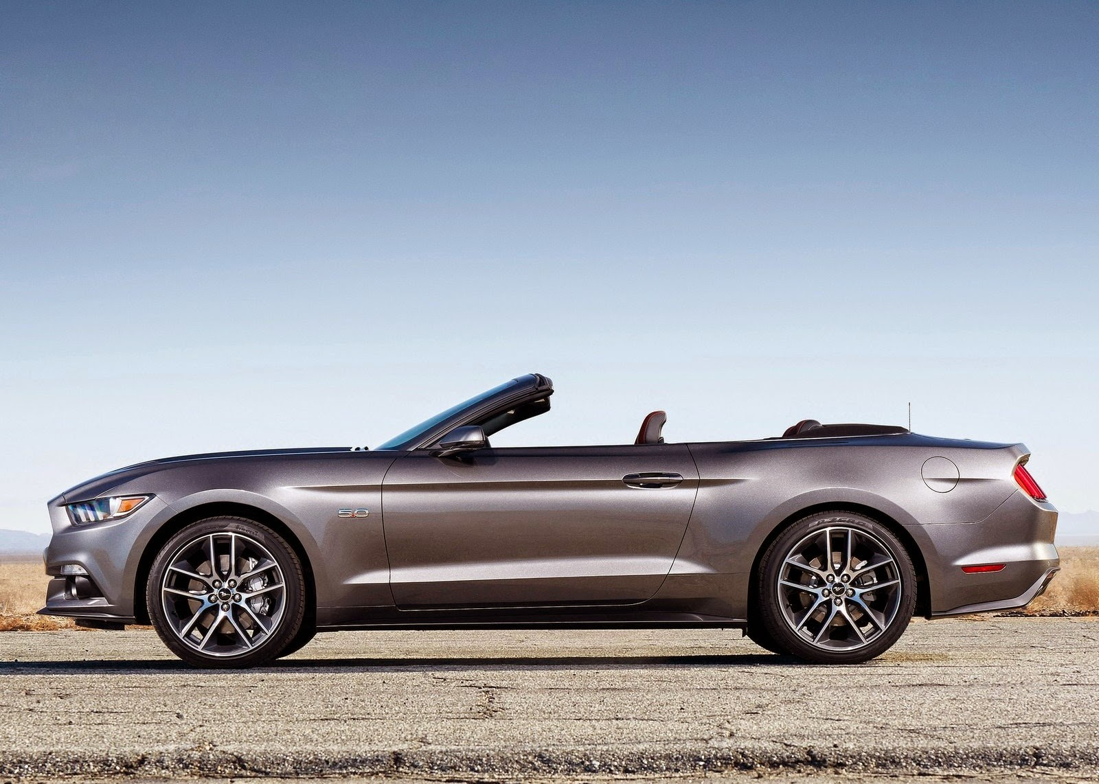 1600x1142 - Ford Convertible Wallpapers 38
