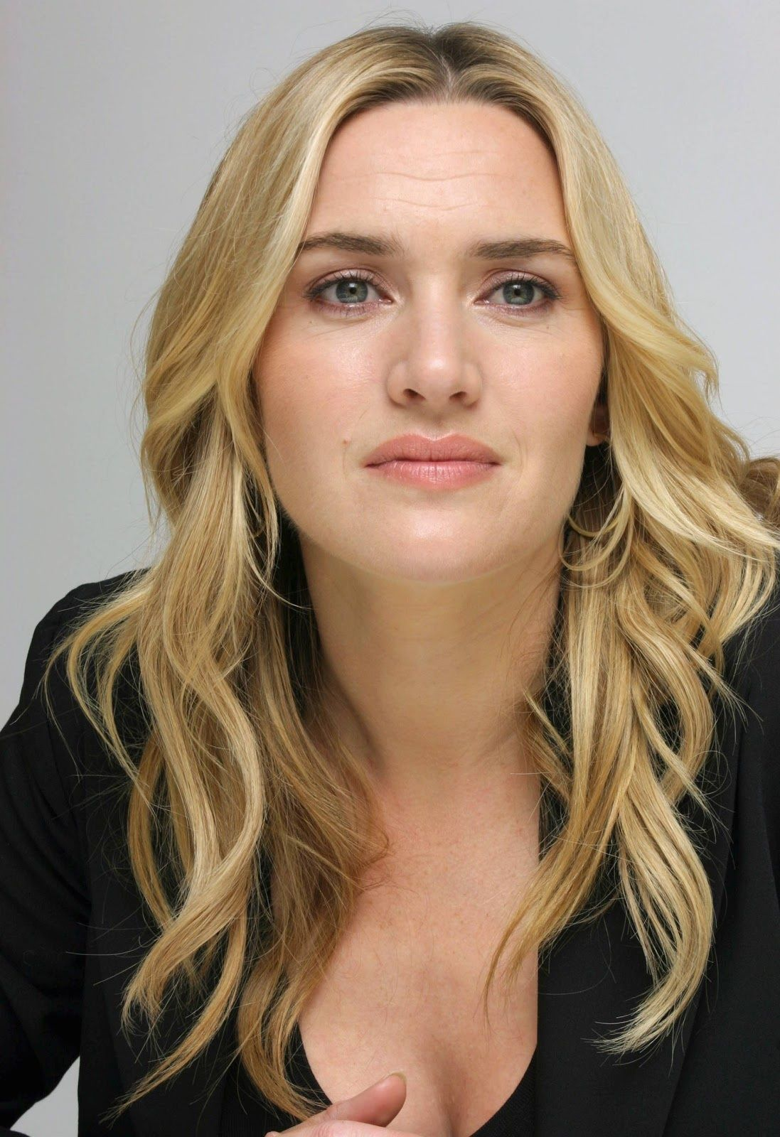 1097x1600 - Kate Winslet Wallpapers 31