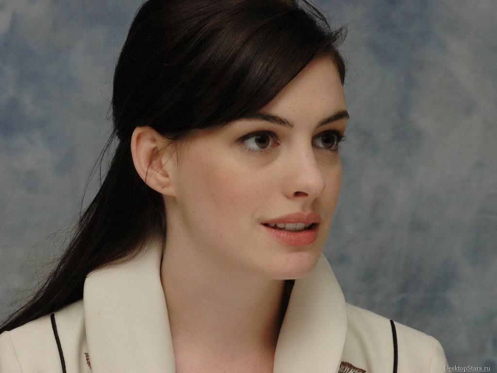 1024x768 - Anne Hathaway Wallpapers 14