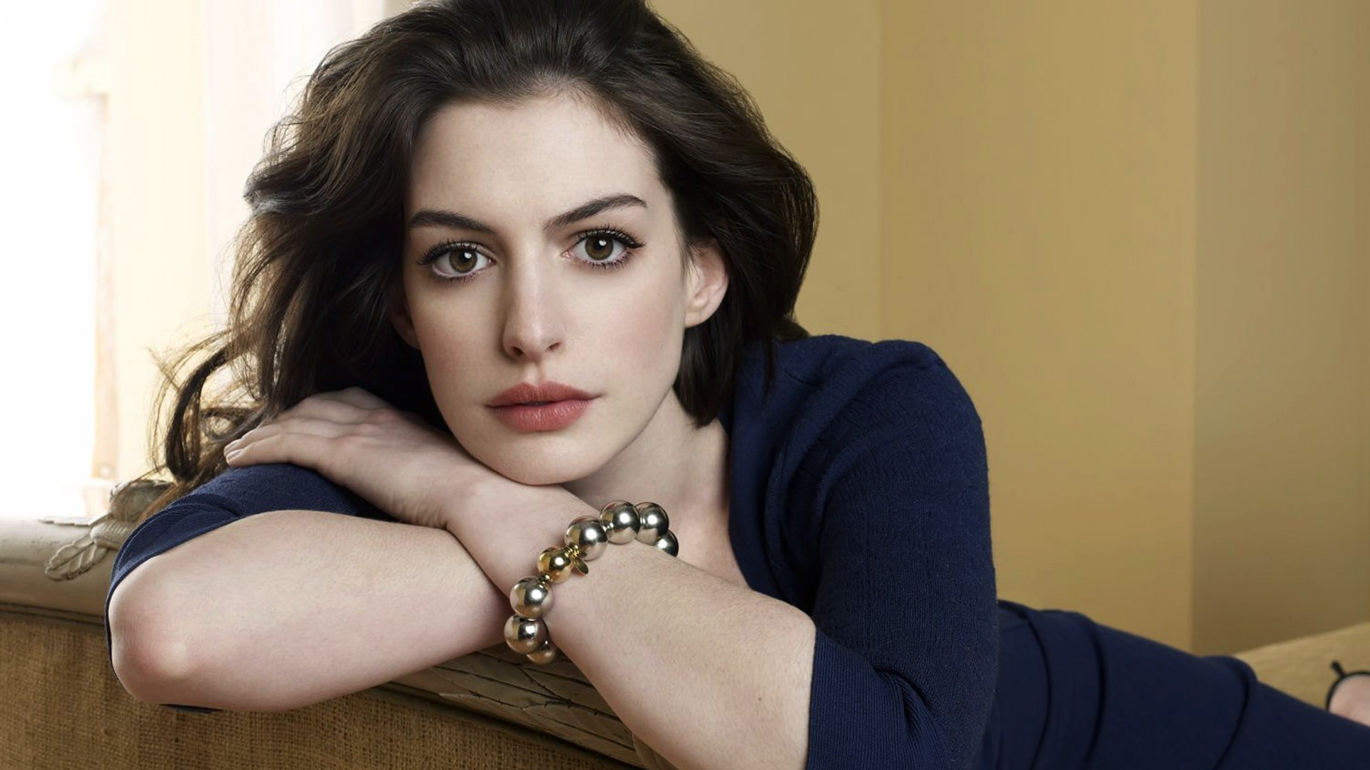 1920x1080 - Anne Hathaway Wallpapers 32