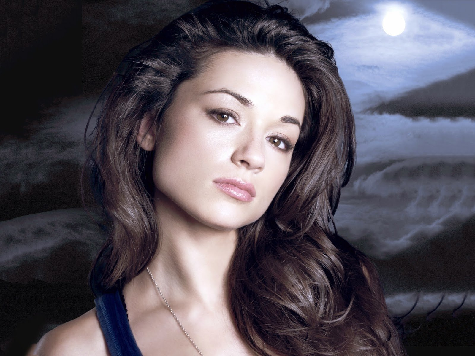 1600x1200 - Crystal Reed Wallpapers 9