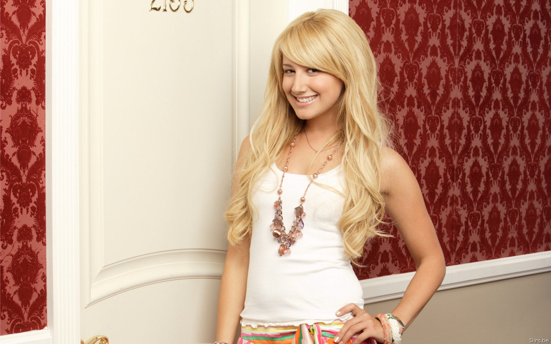 1920x1200 - Ashley Tisdale Wallpapers 28