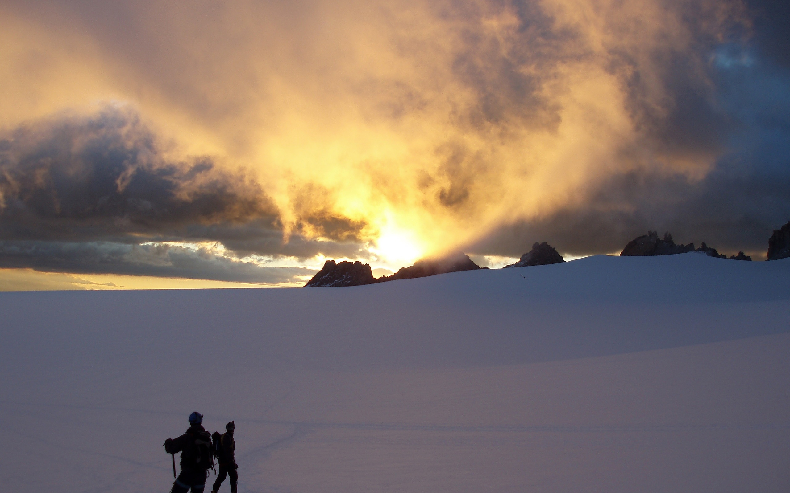 2560x1600 - Mountaineering Wallpapers 27