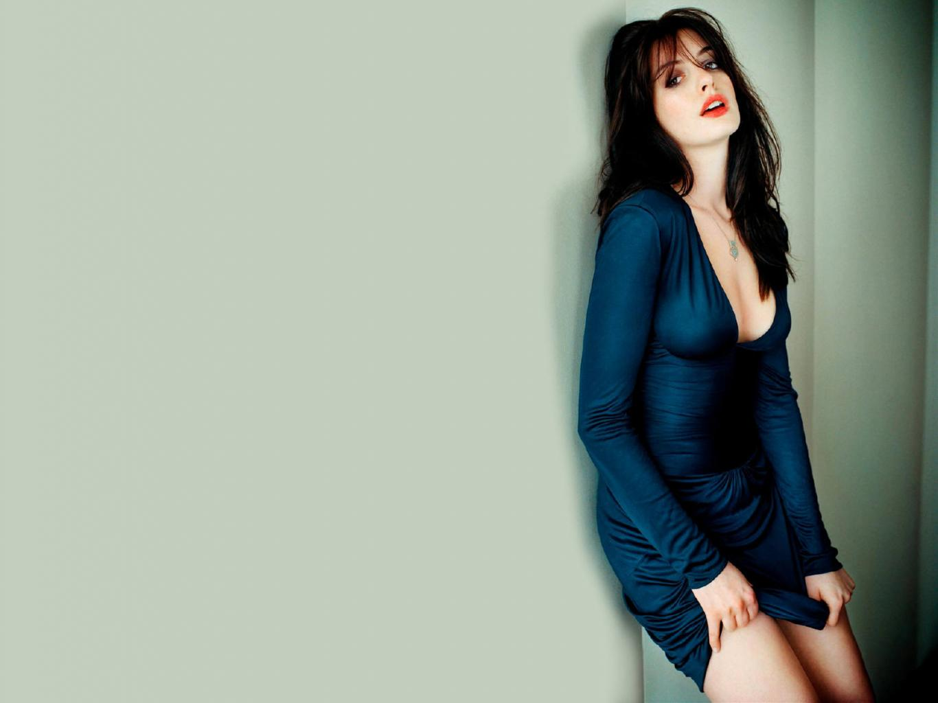 1366x1024 - Anne Hathaway Wallpapers 29