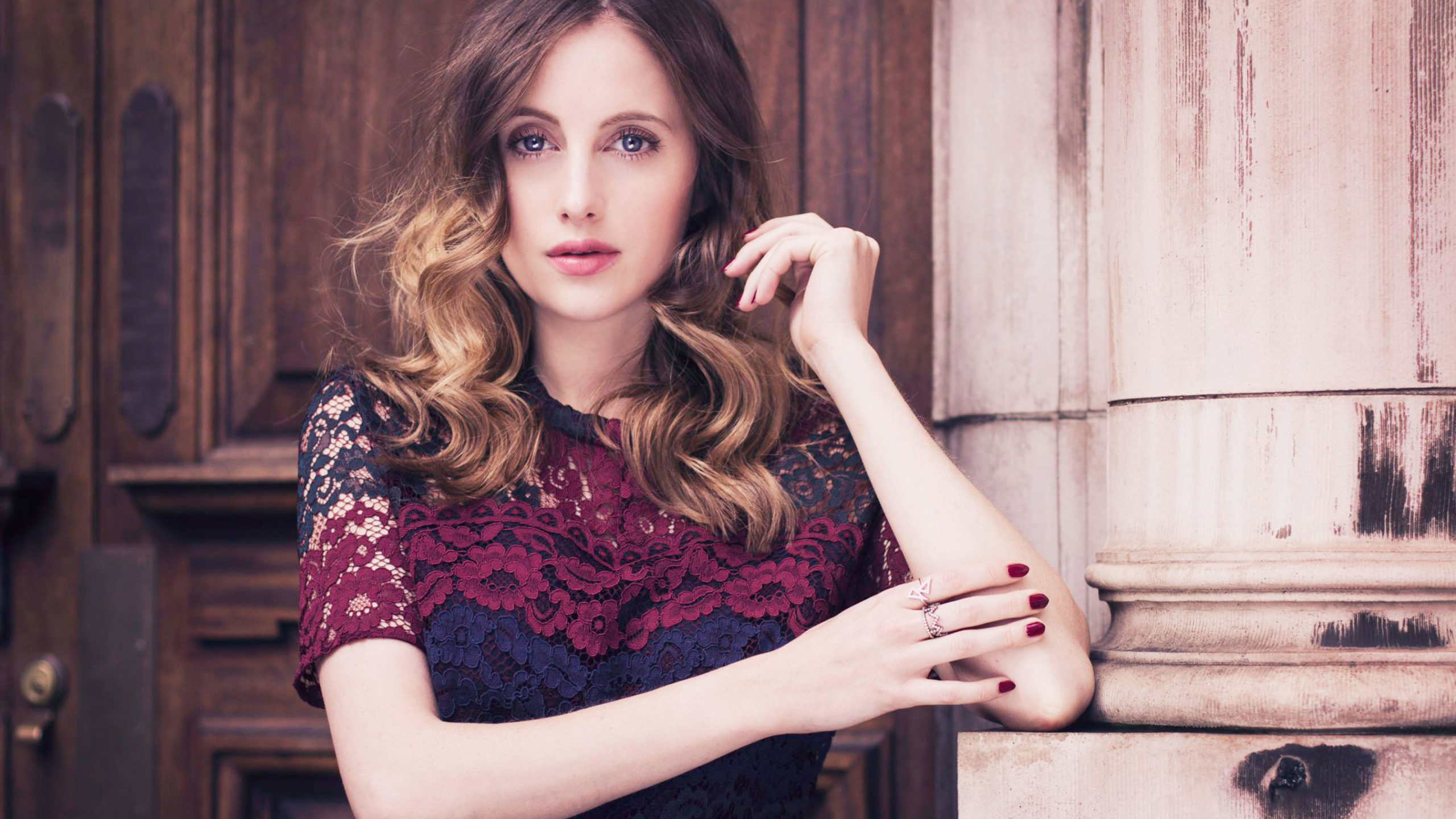 2560x1440 - Rosie Fortescue Wallpapers 12
