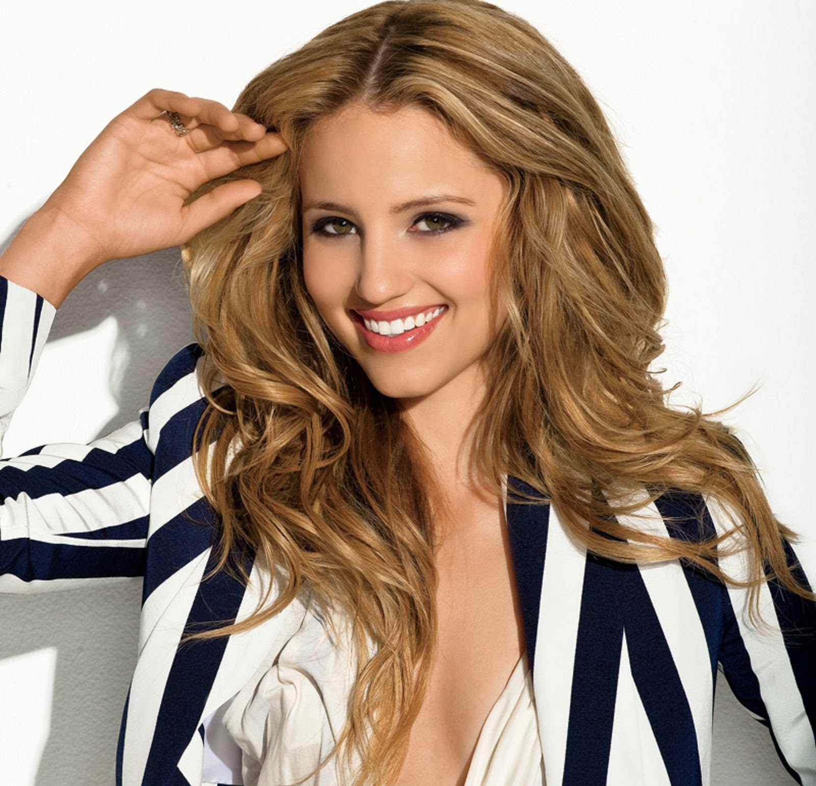 1600x1541 - Dianna Agron Wallpapers 17