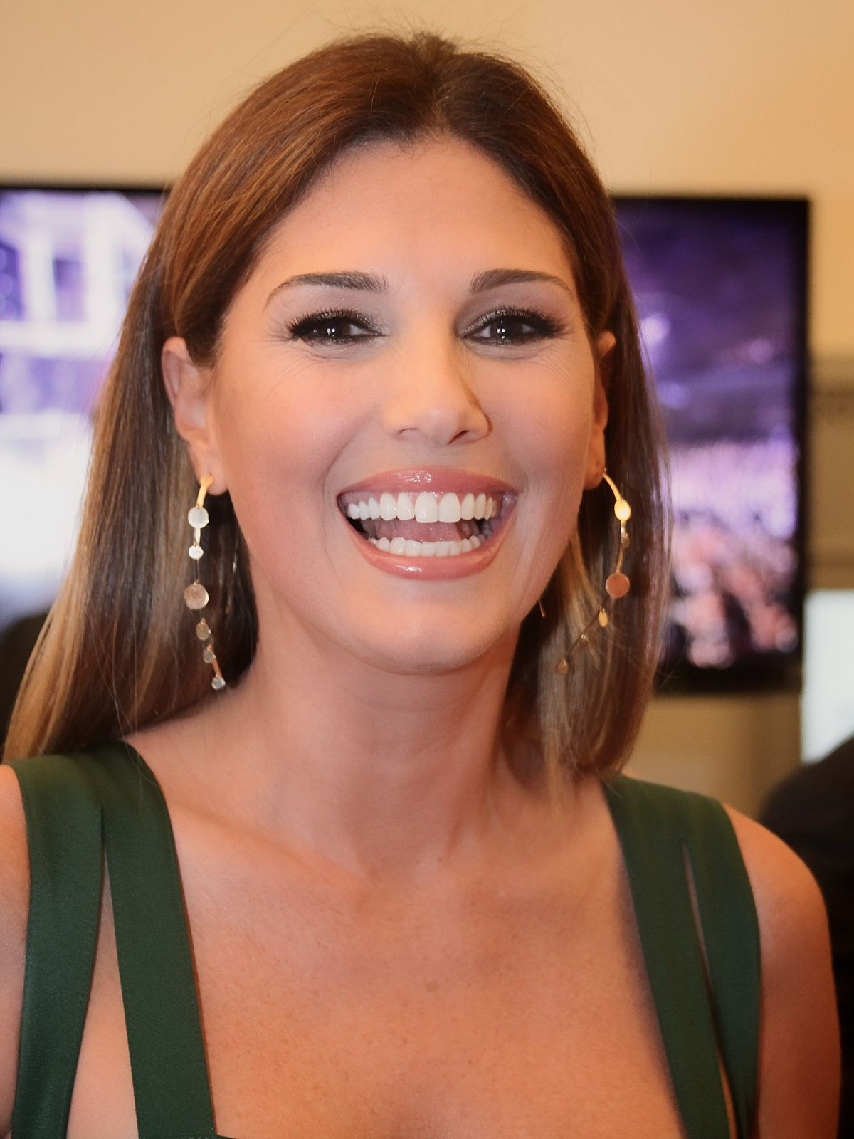 1200x1600 - Daisy Fuentes Wallpapers 10