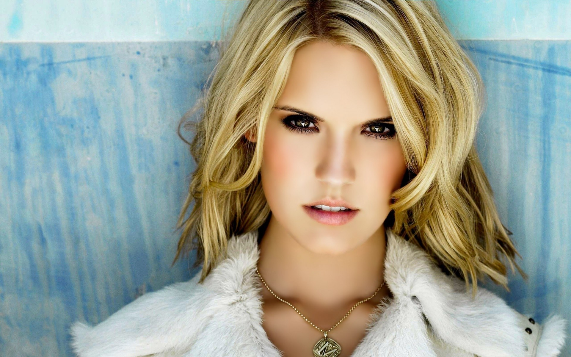 1920x1200 - Maggie Grace Wallpapers 13