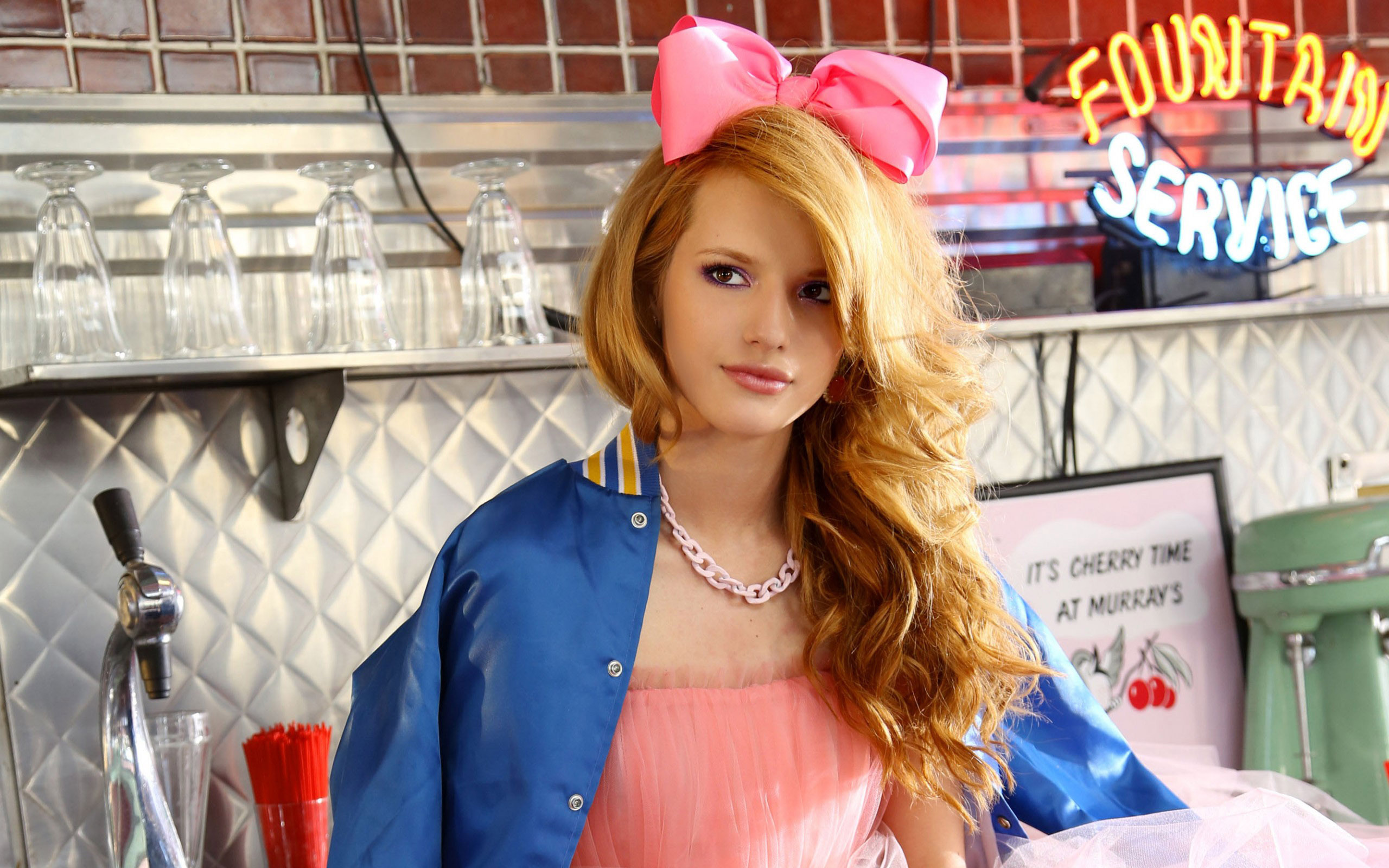 2560x1600 - Bella Thorne Wallpapers 26