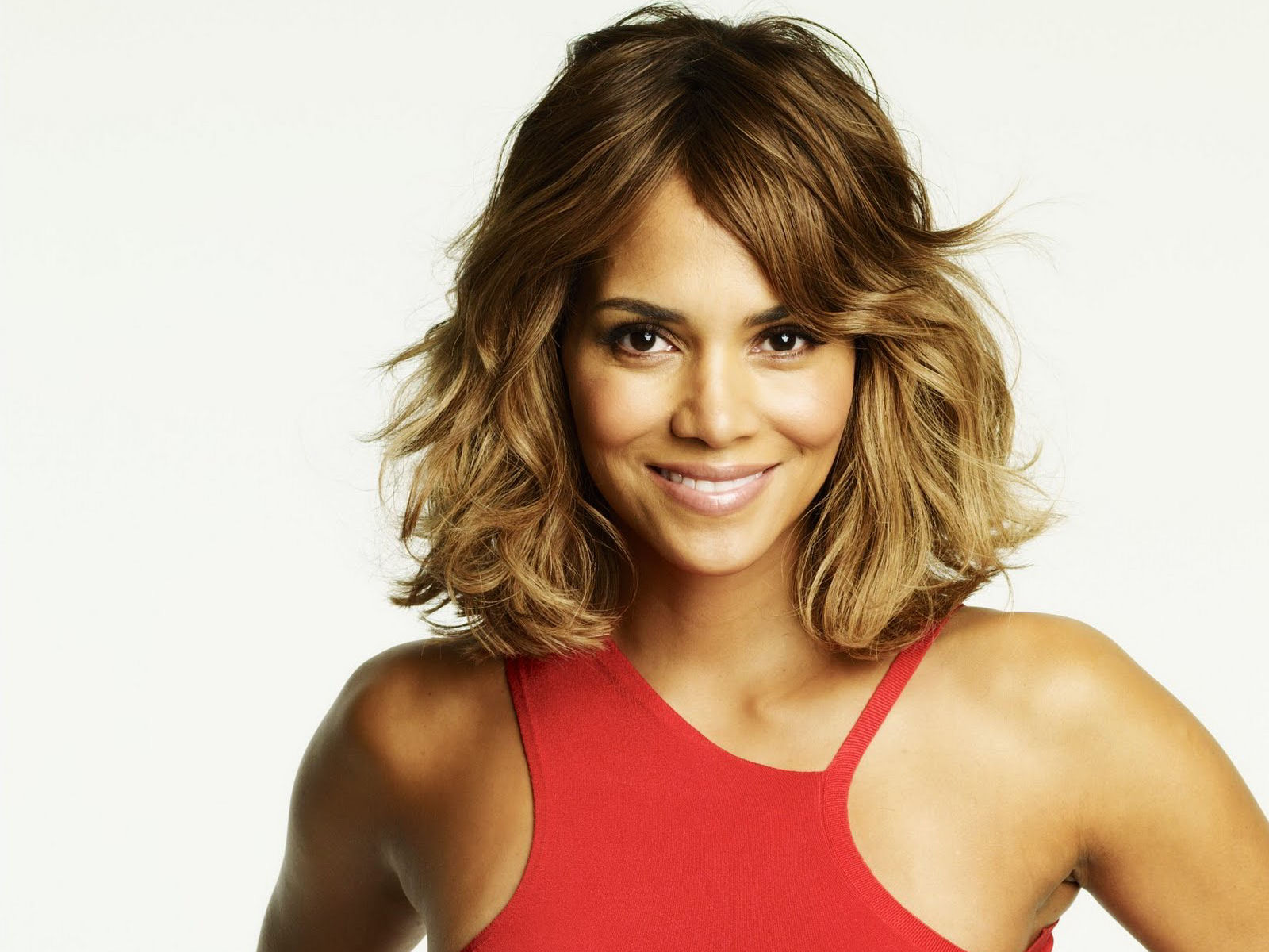 1600x1200 - Halle Berry Wallpapers 10