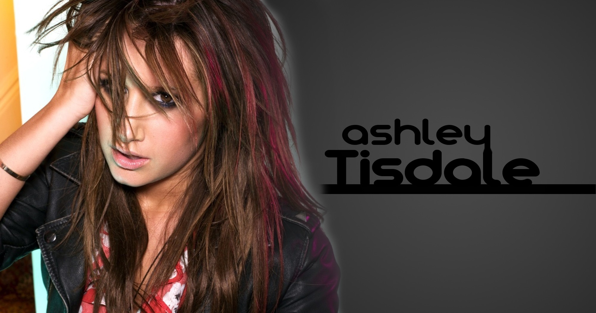 2000x1050 - Ashley Tisdale Wallpapers 2