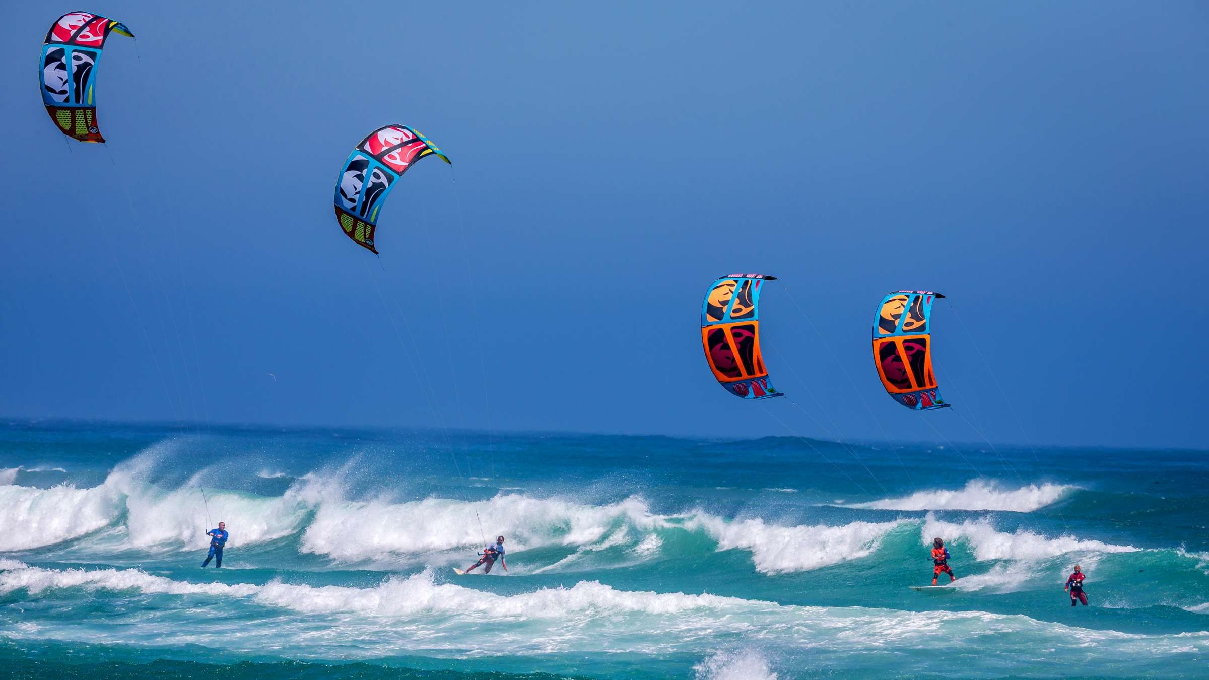 2400x1350 - Kitesurfing Wallpapers 15