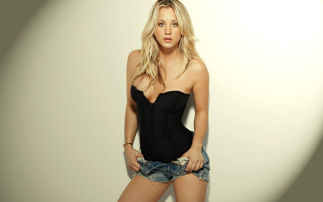 1120x700 - Kaley Cuoco Wallpapers 19