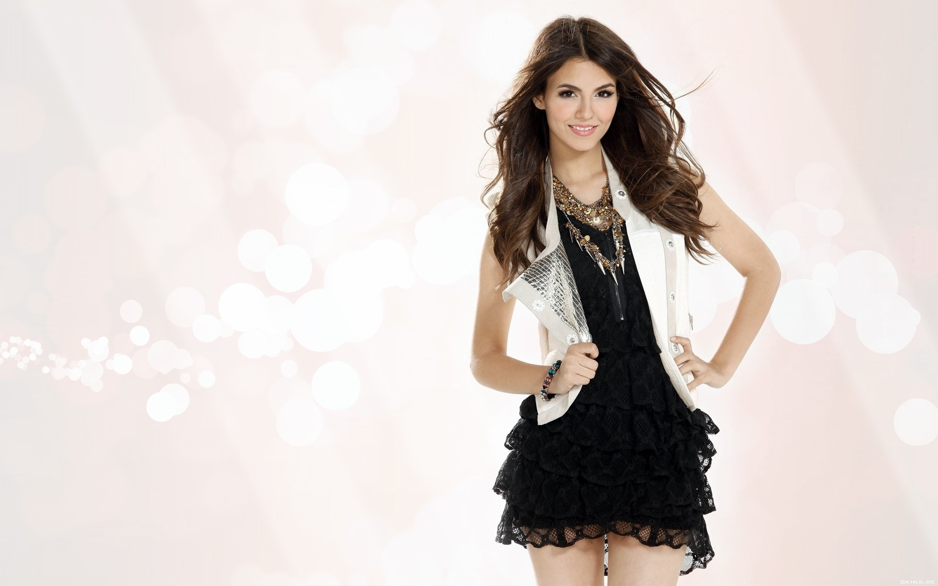 1920x1200 - Victoria Justice Wallpapers 10