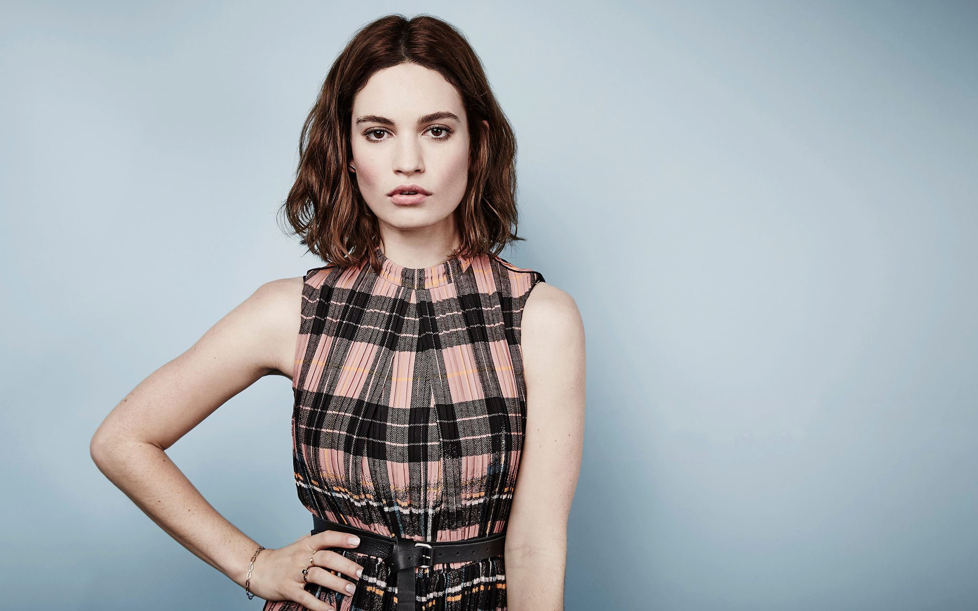 1920x1200 - Lily James Wallpapers 4