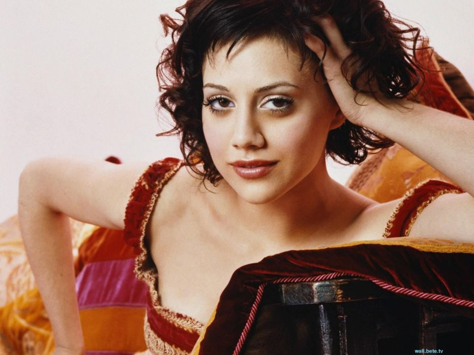 934x700 - Brittany Murphy Wallpapers 38