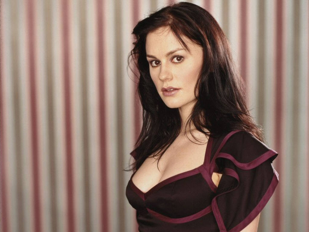 1024x768 - Anna Paquin Wallpapers 20
