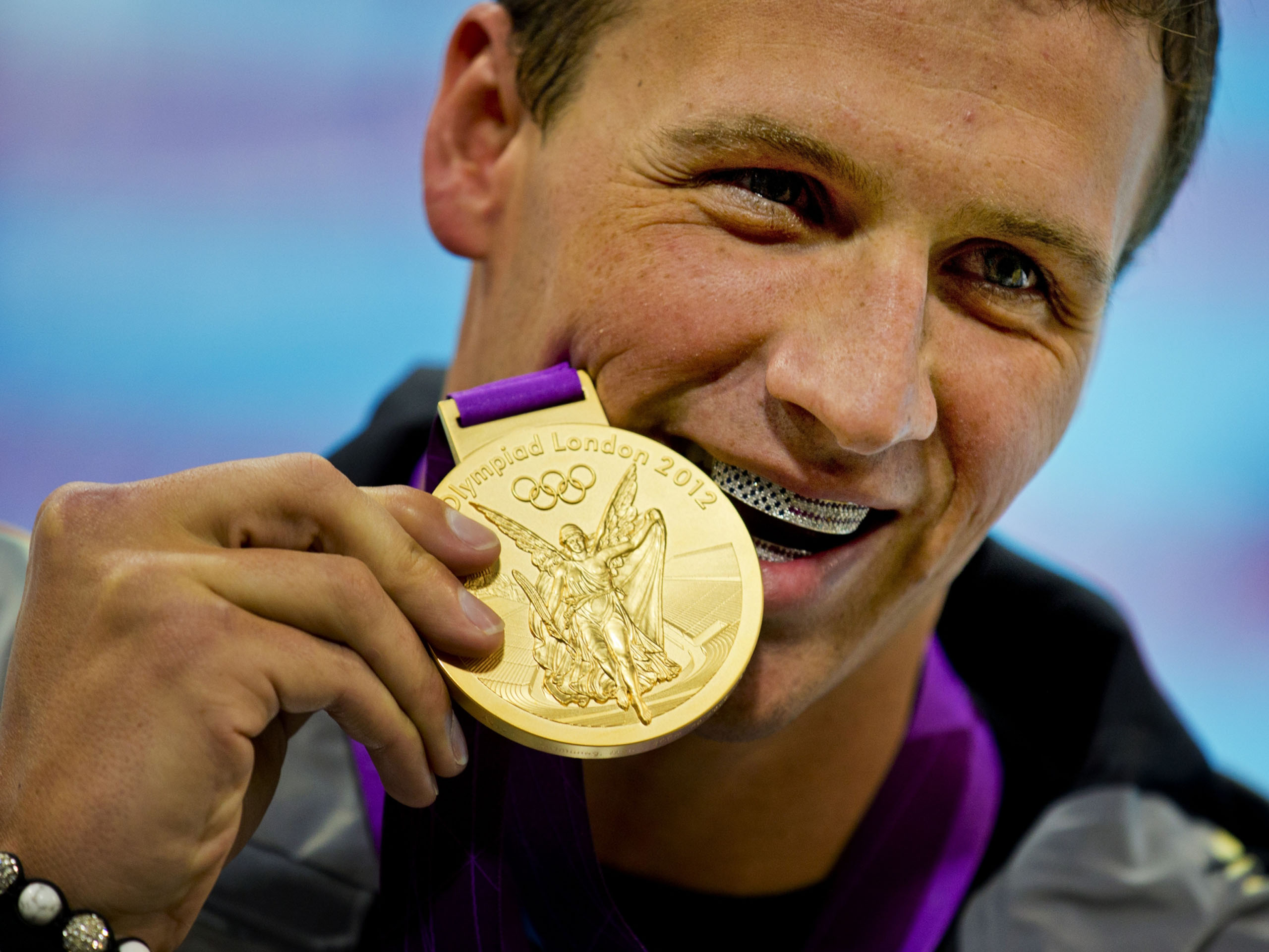 2560x1920 - Olympic Gold Metal Wallpapers 17