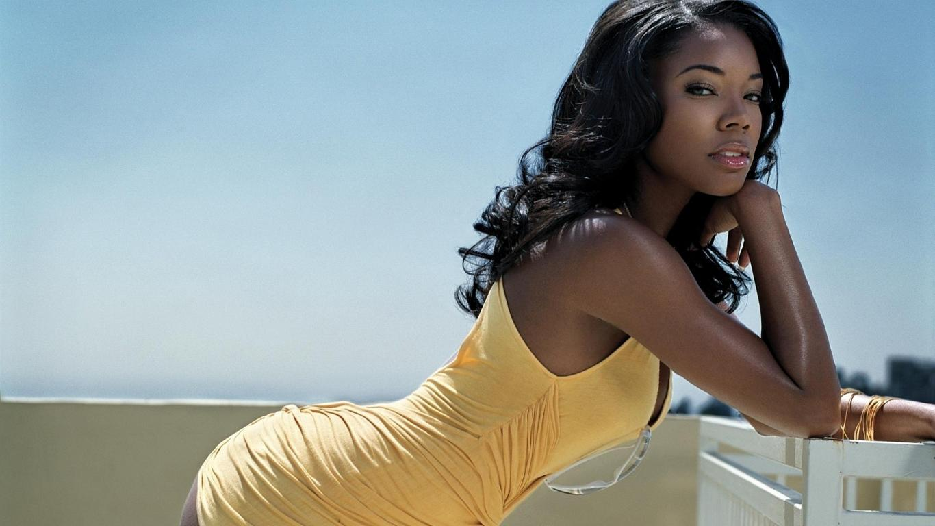 1366x768 - Gabrielle Union Wallpapers 27