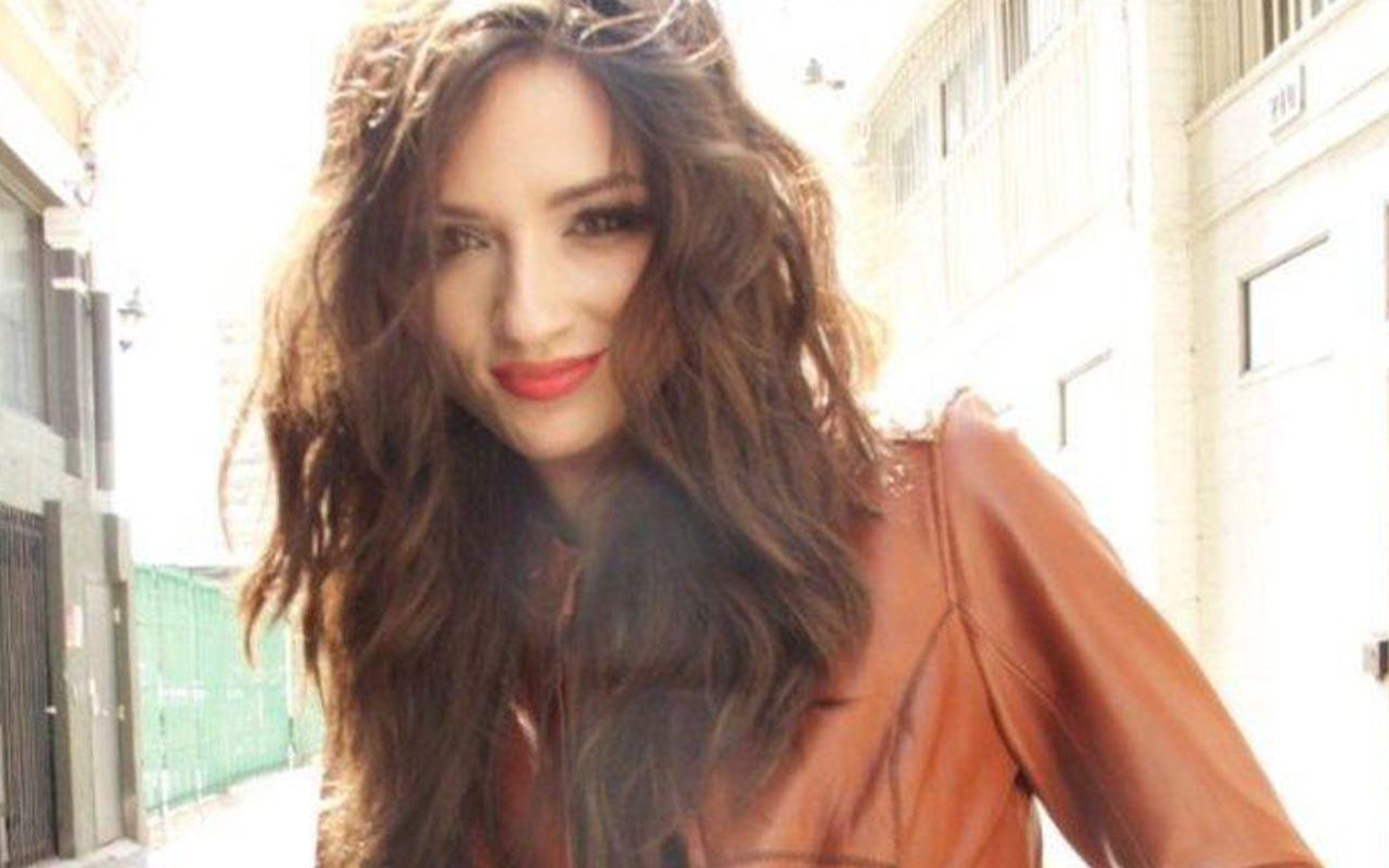 1280x800 - Crystal Reed Wallpapers 14