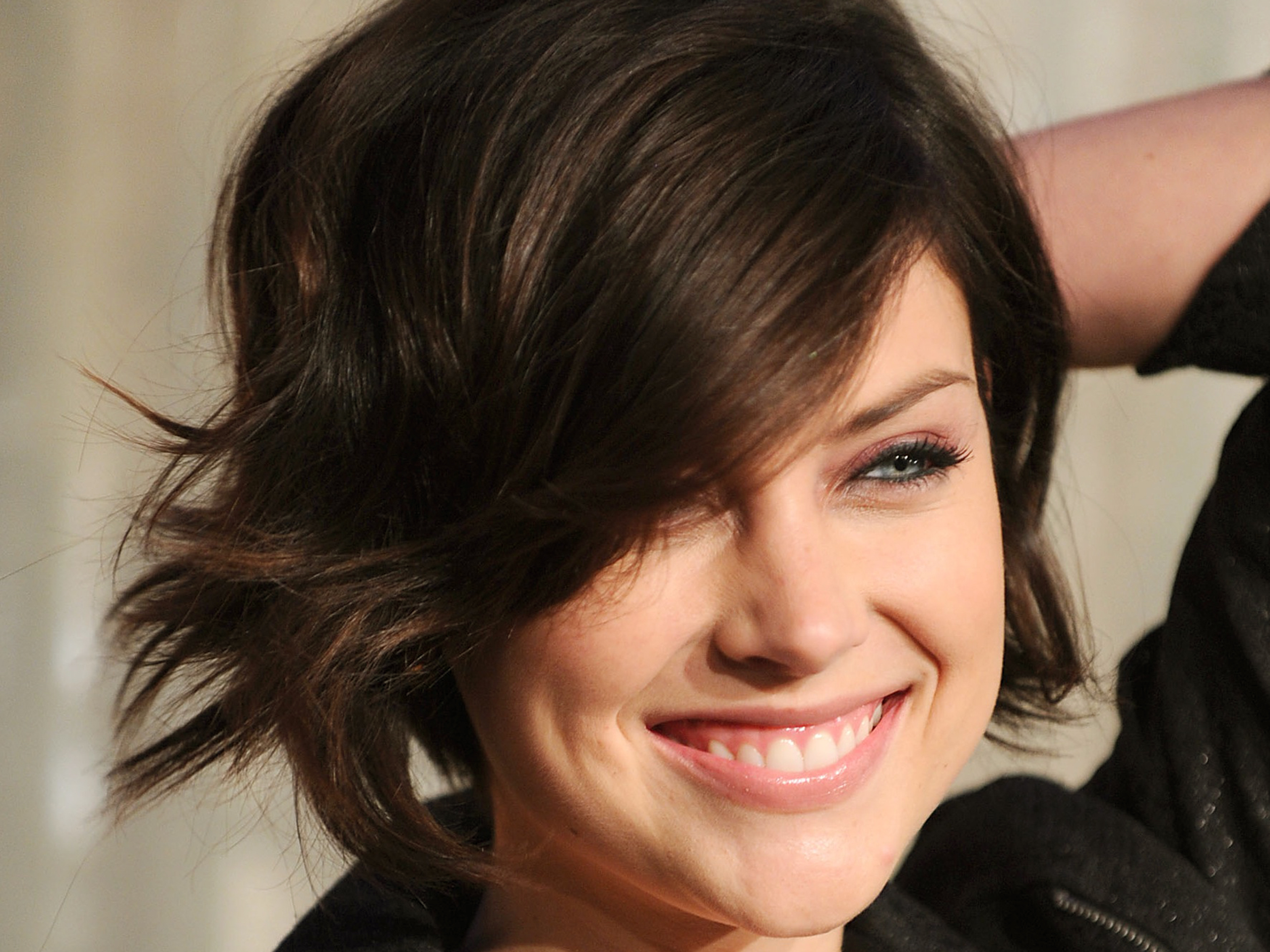 2560x1920 - Jessica Stroup Wallpapers 28