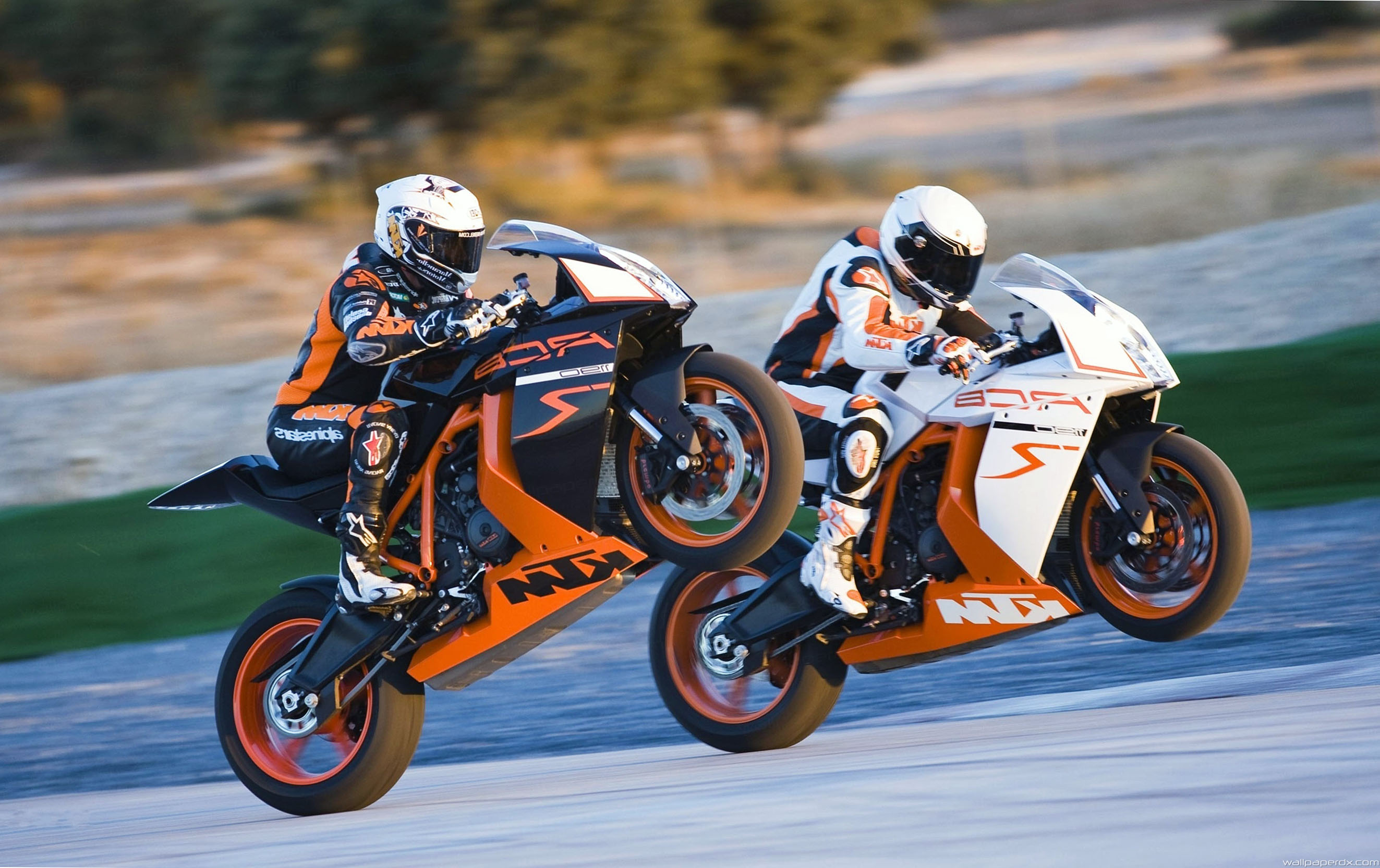 2646x1665 - KTM RC8 Wallpapers 1