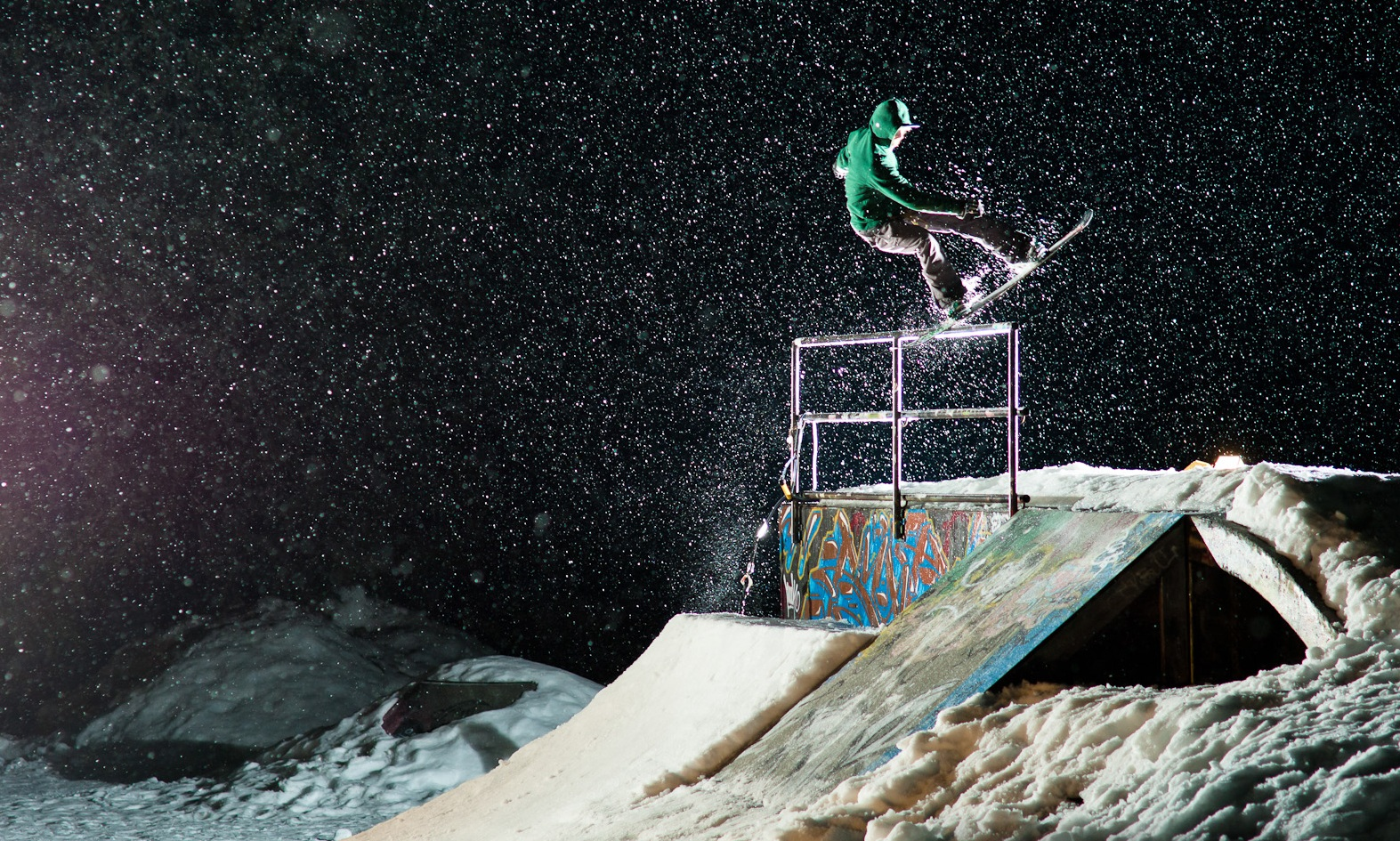 1573x945 - Snowboarding Wallpapers 27