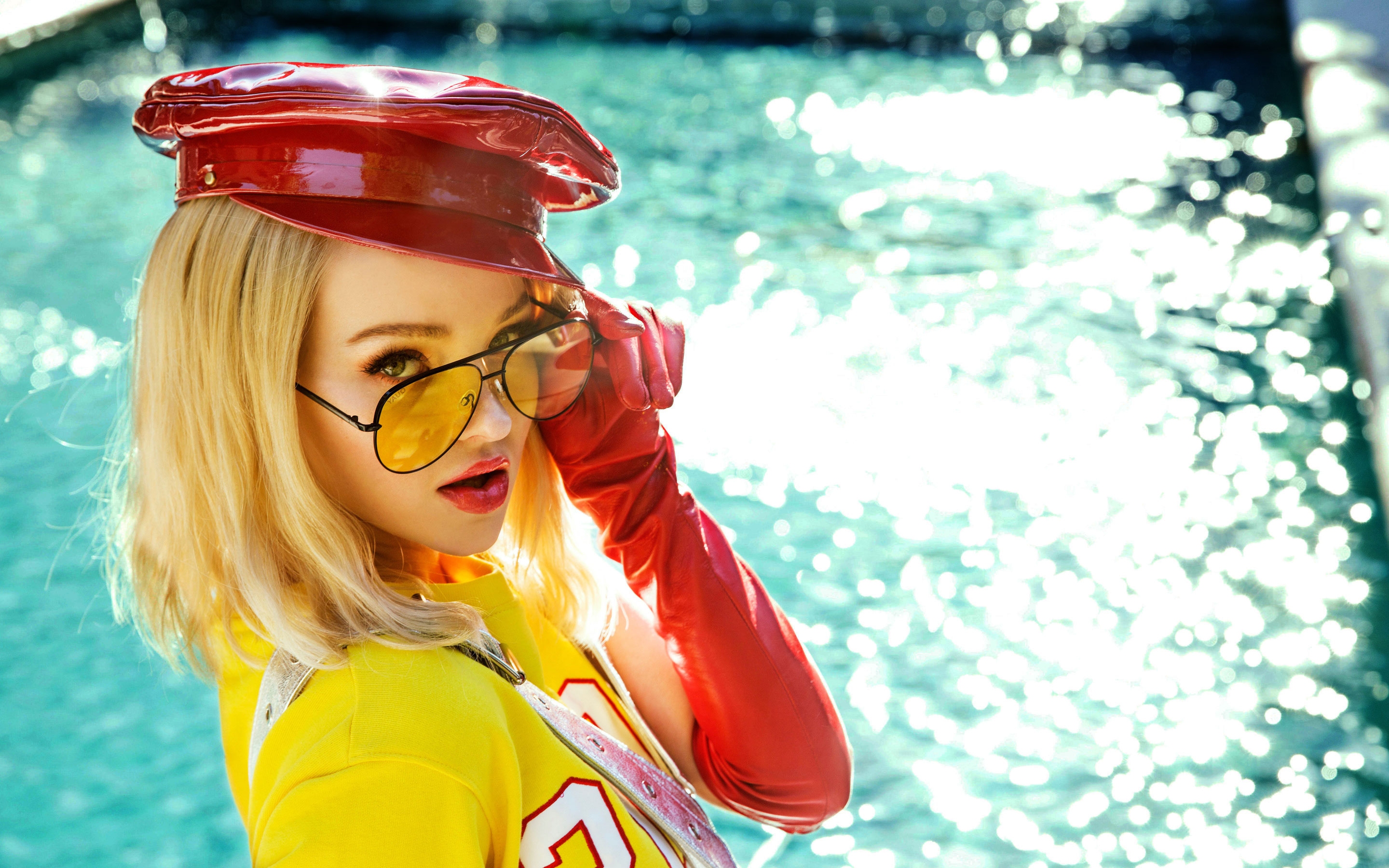 2880x1800 - Dove Cameron Wallpapers 5
