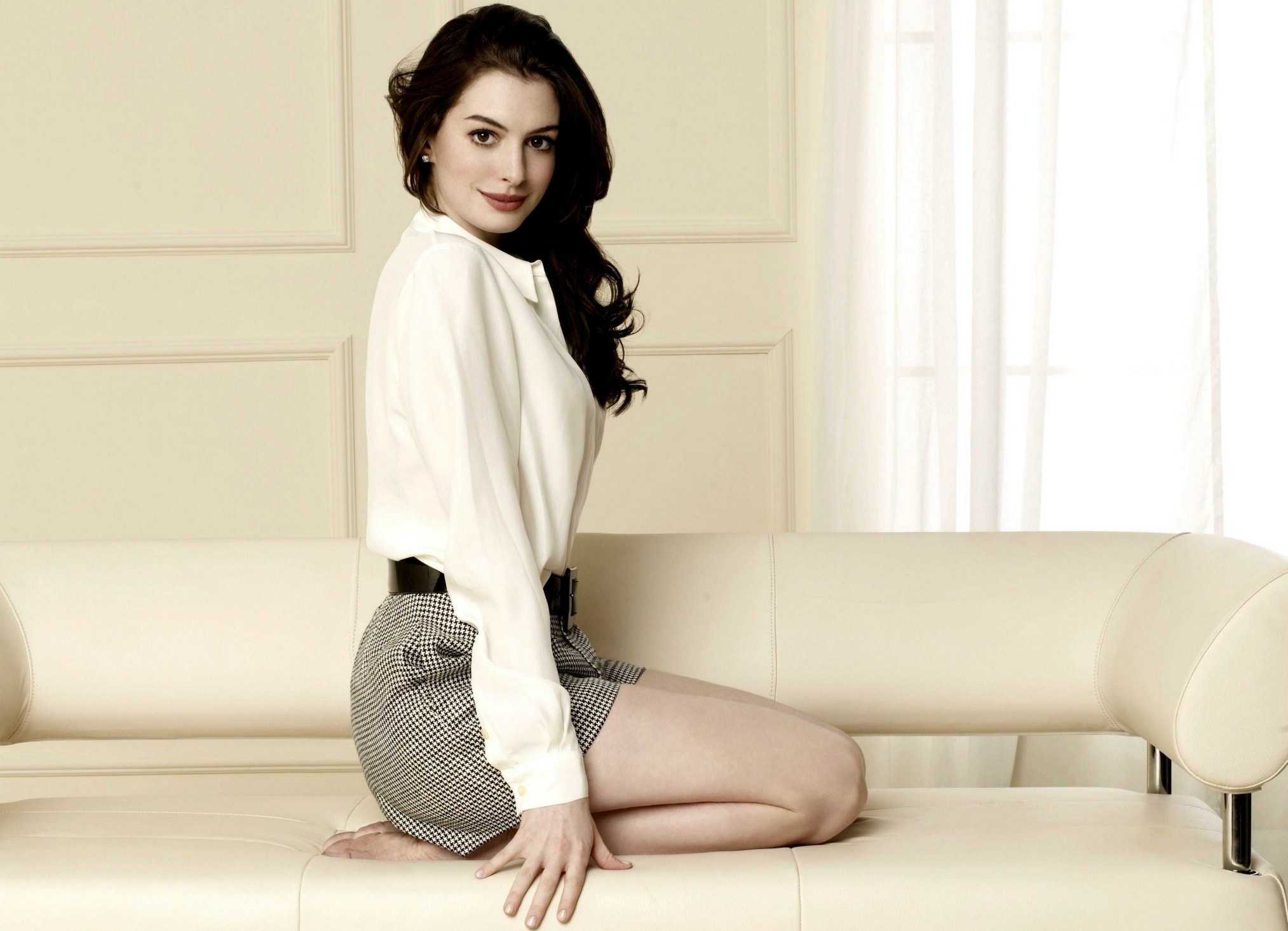 2027x1466 - Anne Hathaway Wallpapers 9