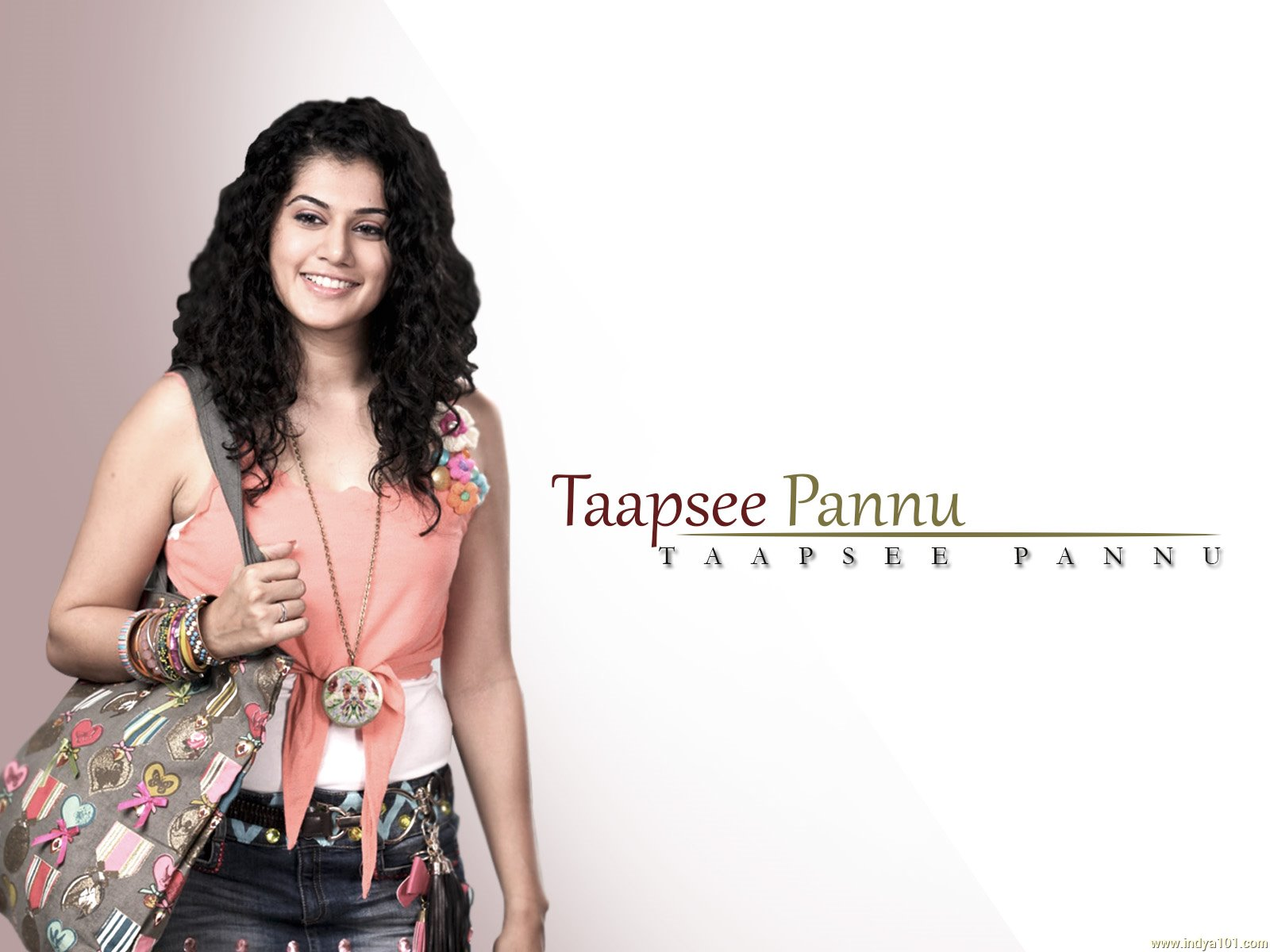 1600x1200 - Tapsee pannu Wallpapers 9