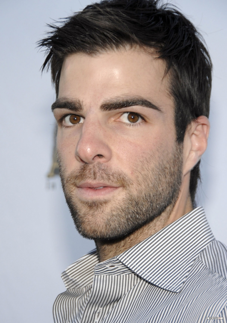 936x1331 - Zachary Quinto Wallpapers 25