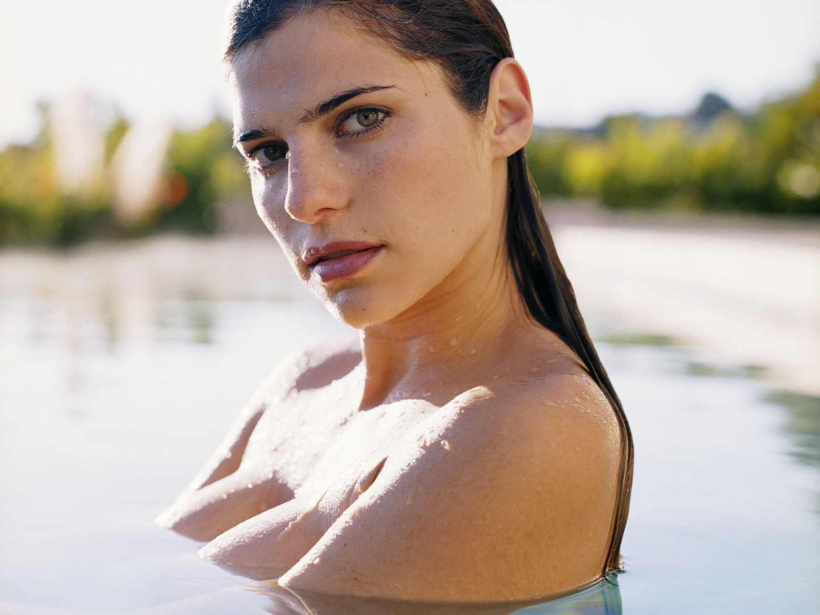 1600x1200 - Lake Bell Wallpapers 7