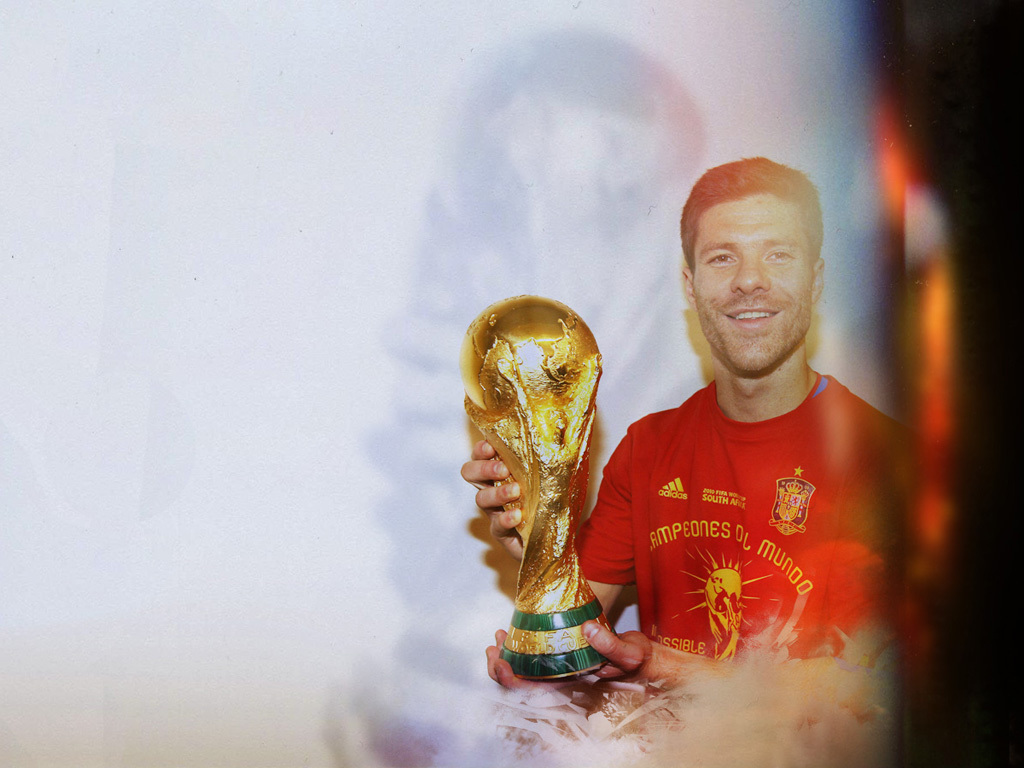 1024x768 - Xabi Alonso Wallpapers 30