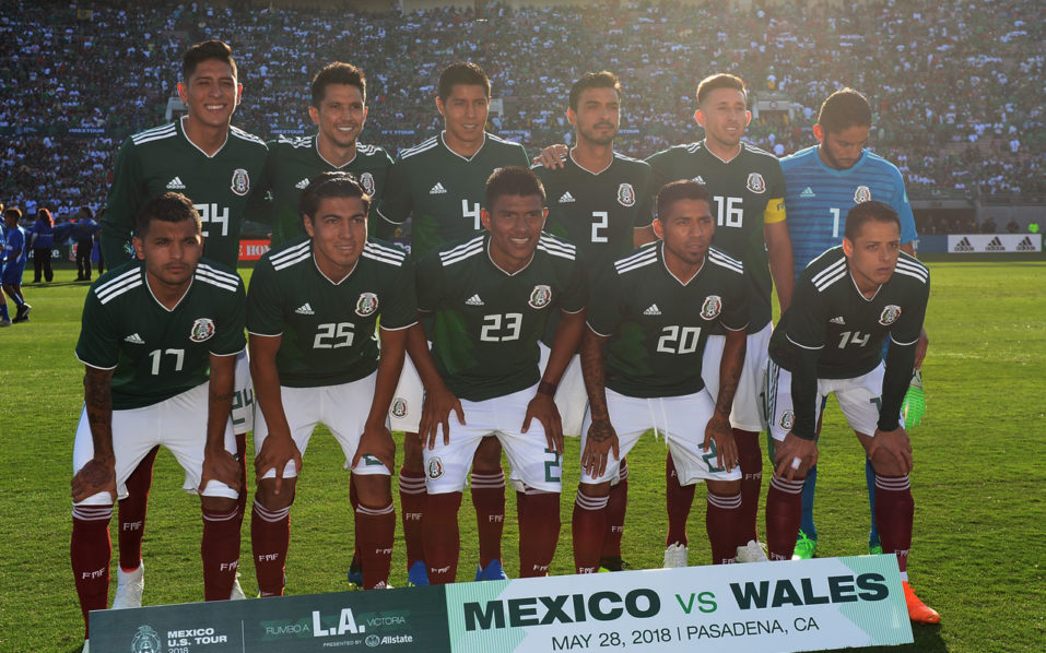957x598 - Mexican Soccer Team 2018 31
