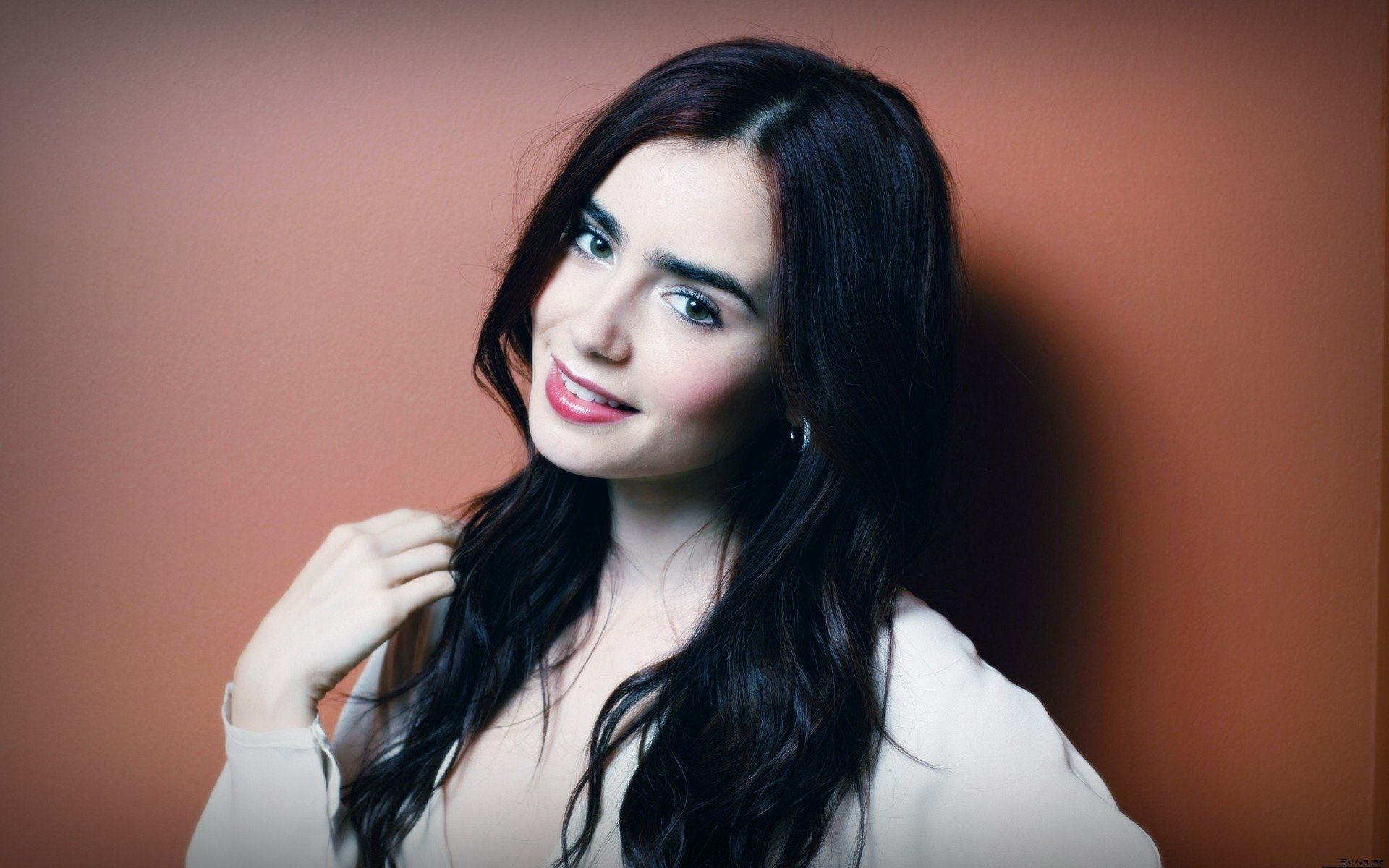 1920x1200 - Lily Collins Wallpapers 1
