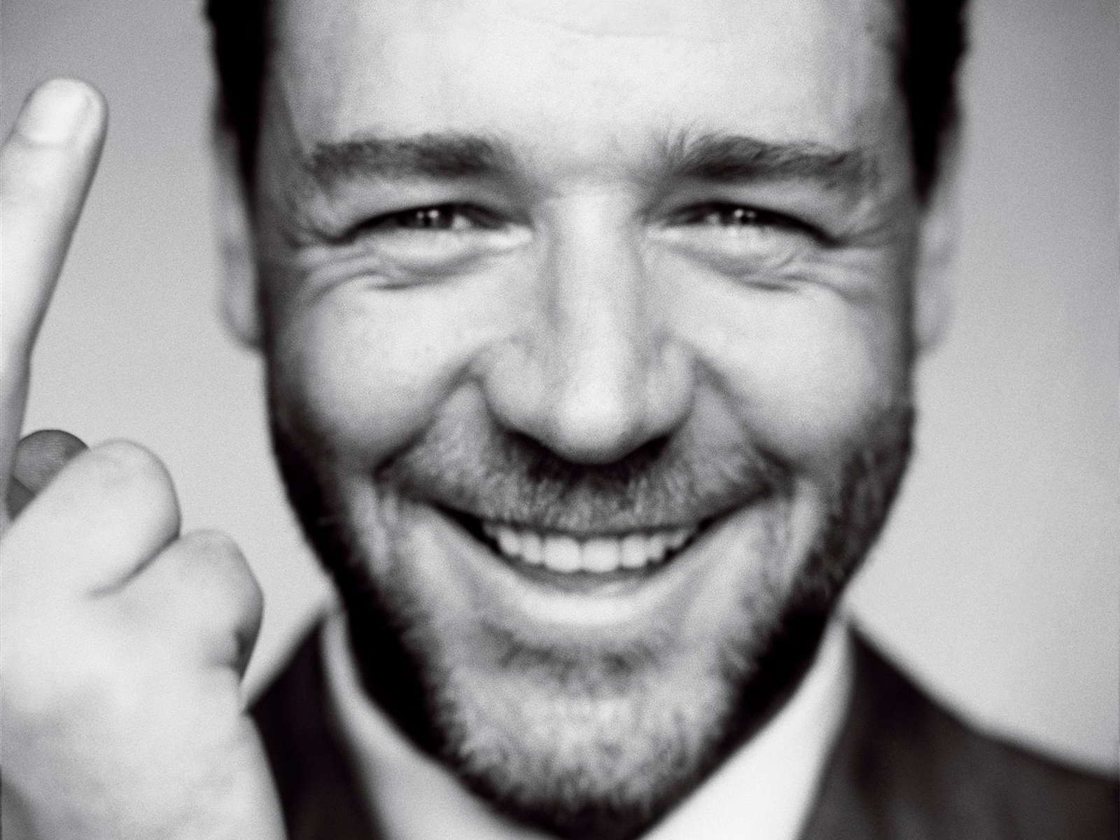 1600x1200 - Russell Crowe Wallpapers 3
