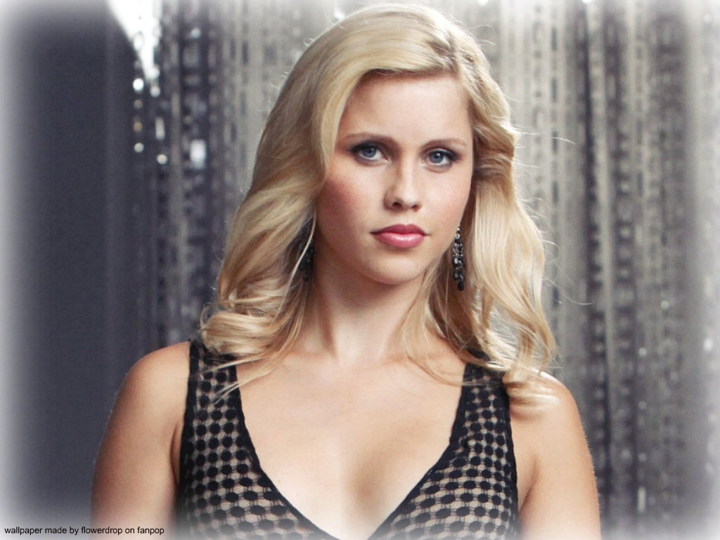 1024x768 - Claire Holt Wallpapers 15