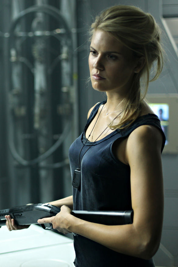 584x876 - Maggie Grace Wallpapers 17