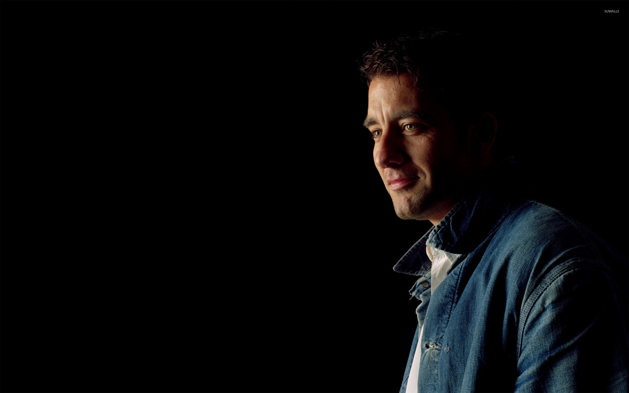 2560x1600 - Clive Owen  Wallpapers 25
