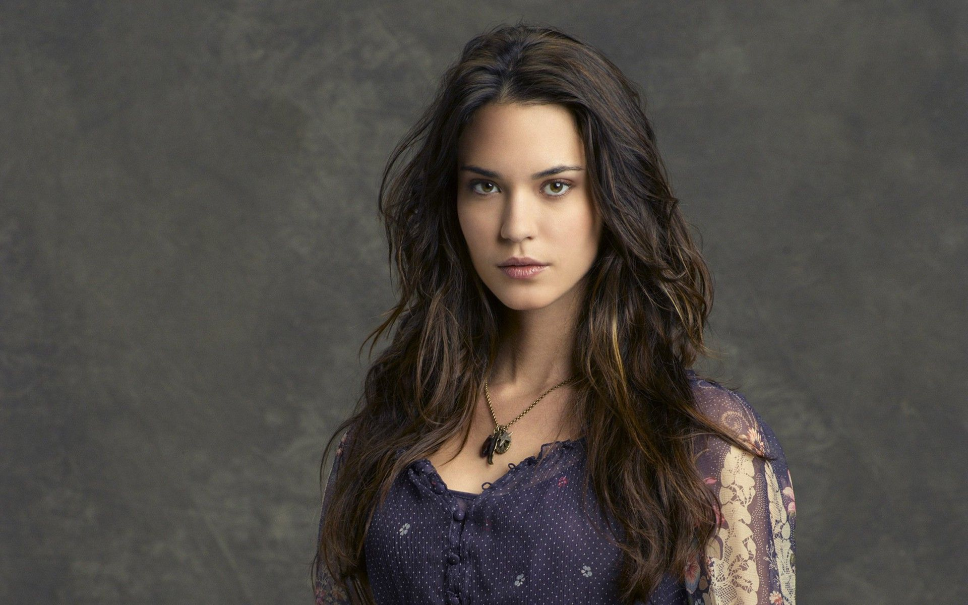 1920x1200 - Odette Annable Wallpapers 15