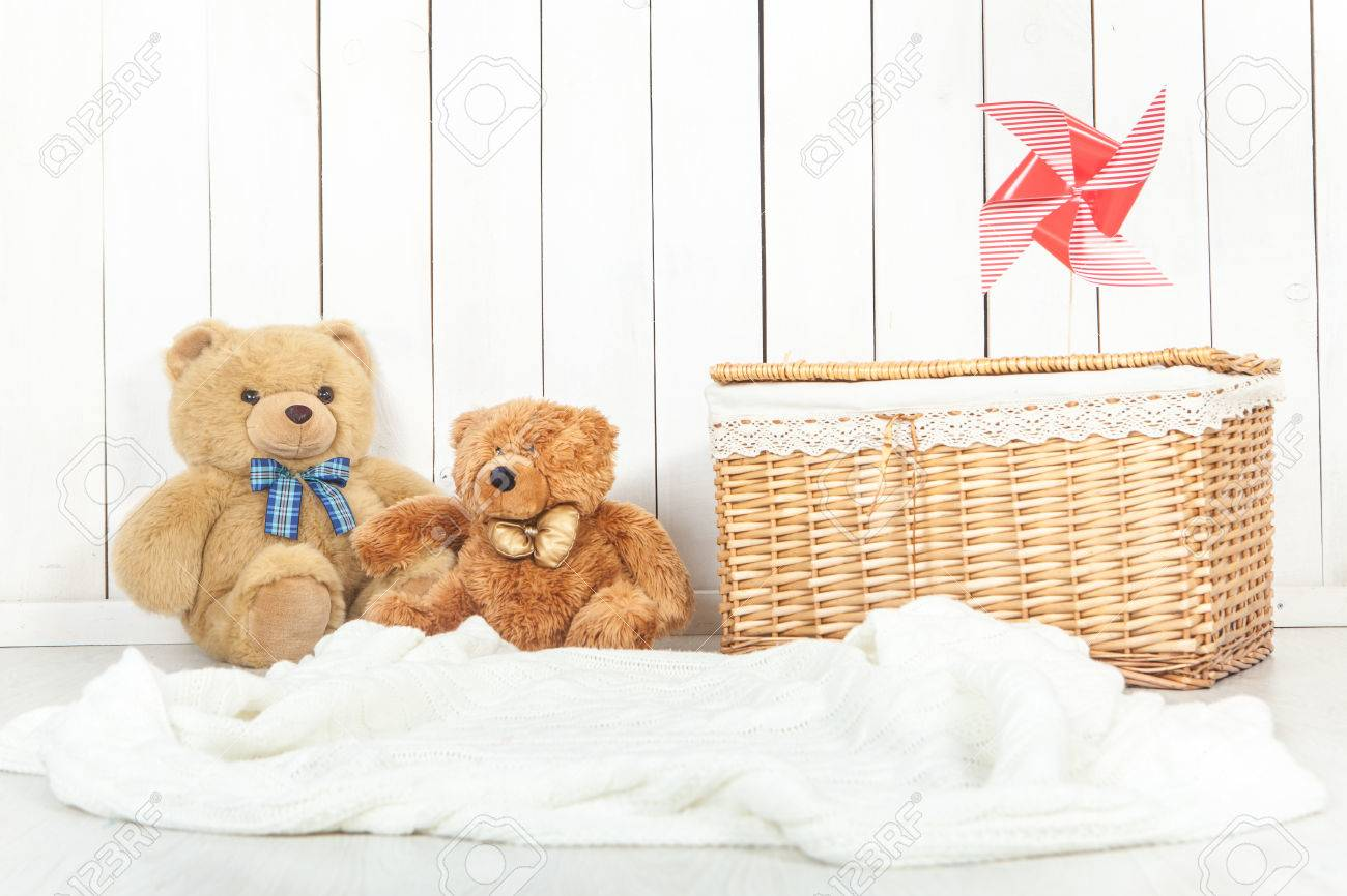 1300x866 - Baby Background Pictures 37